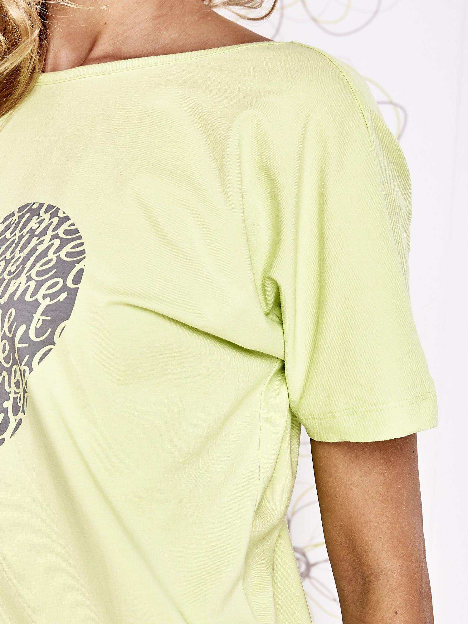 Limonkowy t-shirt z napisem JE T'AIME i dekoltem na plecach                                  zdj.                                  5