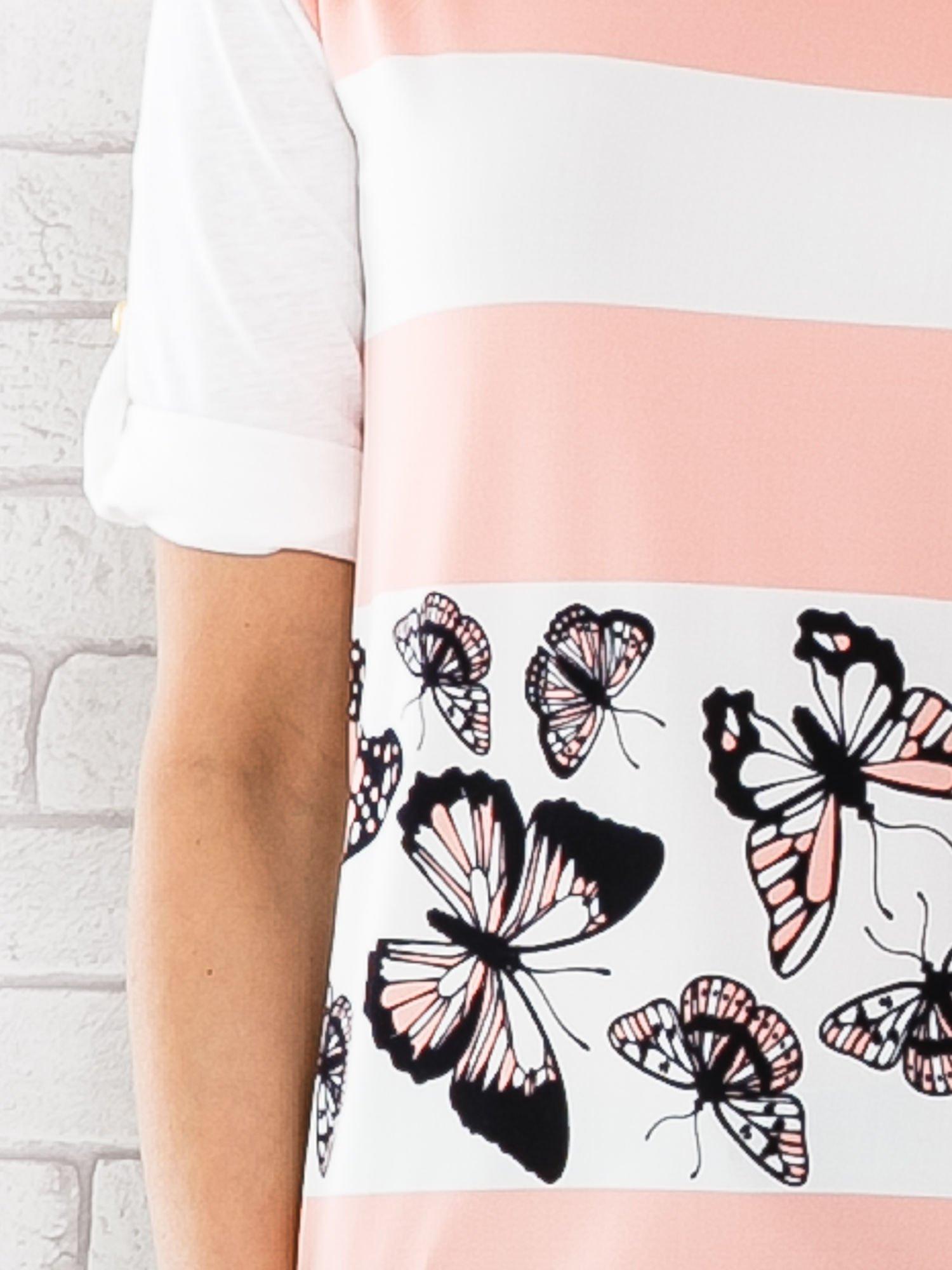 Łososiowa bluzka w pasy z motywem motyli                                  zdj.                                  4