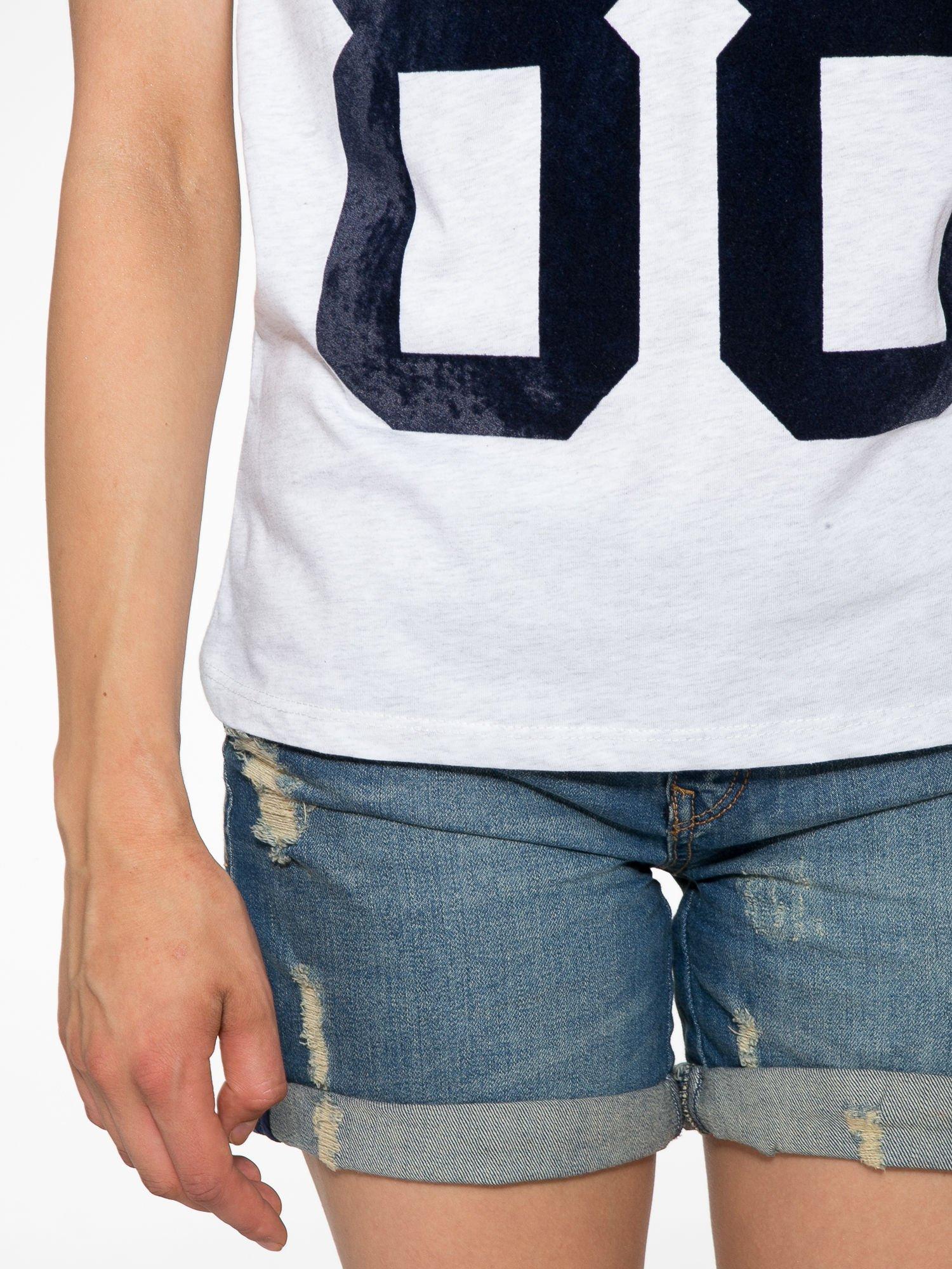 Melanżowo-czarny t-shirt z nadrukiem FASHION 88                                  zdj.                                  6