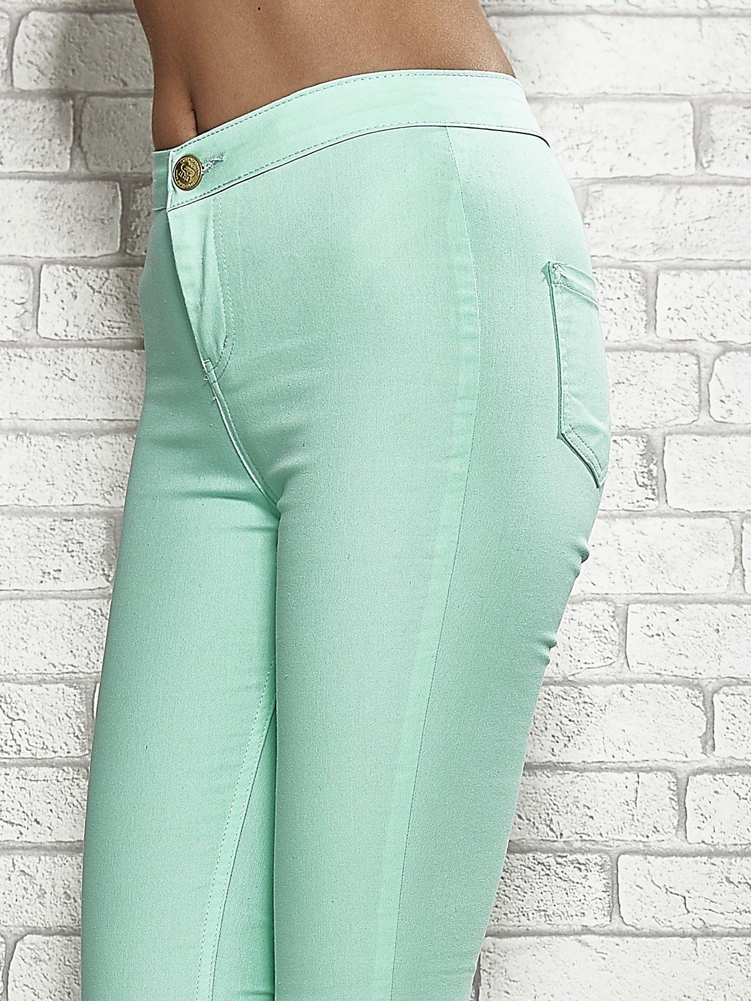 Miętowe spodnie rurki skinny                                  zdj.                                  4
