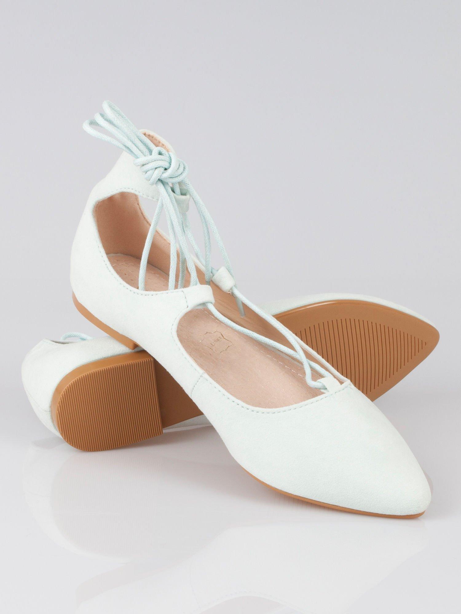 Miętowe wiązane baleriny faux suede Kim lace up z zamszu                                  zdj.                                  2