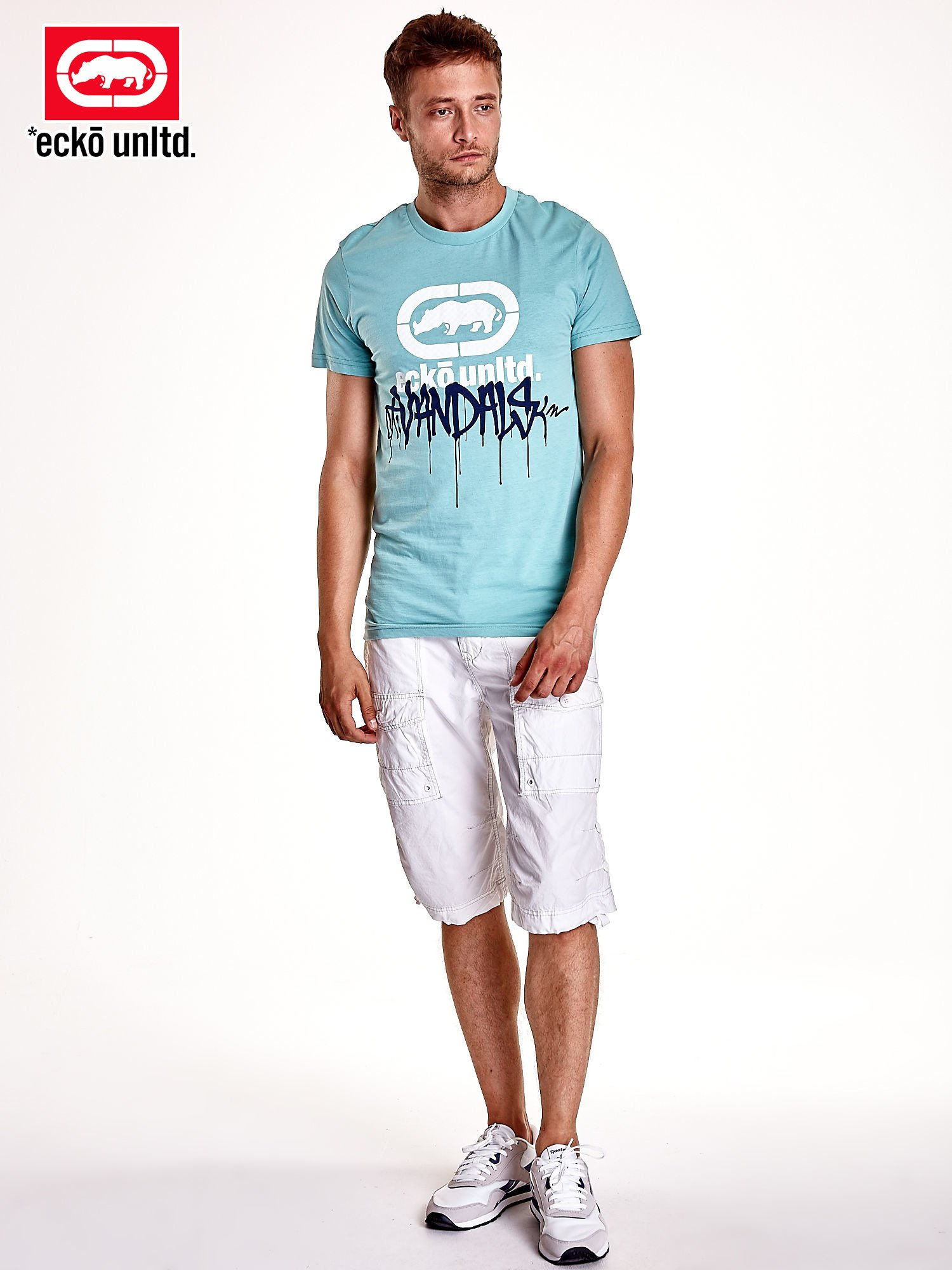 Miętowy t-shirt męski z białym logiem i napisem                                  zdj.                                  3