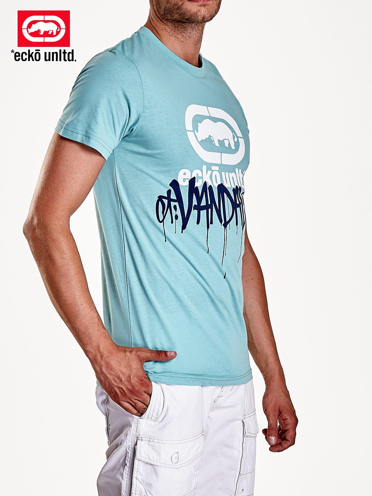 Miętowy t-shirt męski z białym logiem i napisem                                  zdj.                                  4