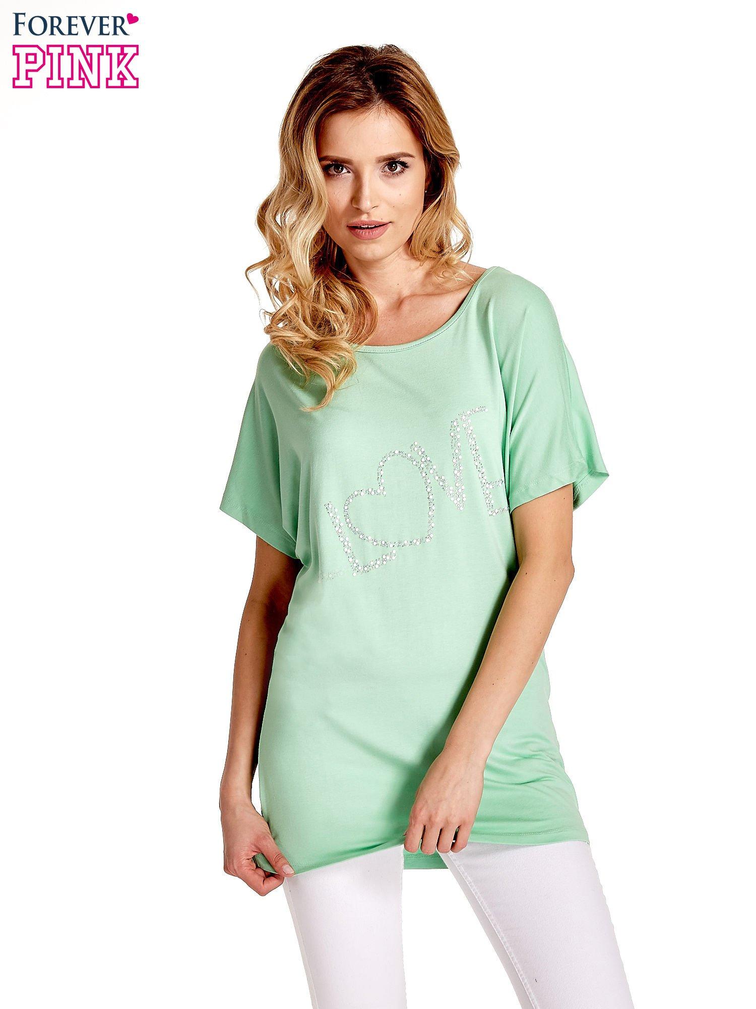 Miętowy t-shirt z biżuteryjnym napisem LOVE                                  zdj.                                  1