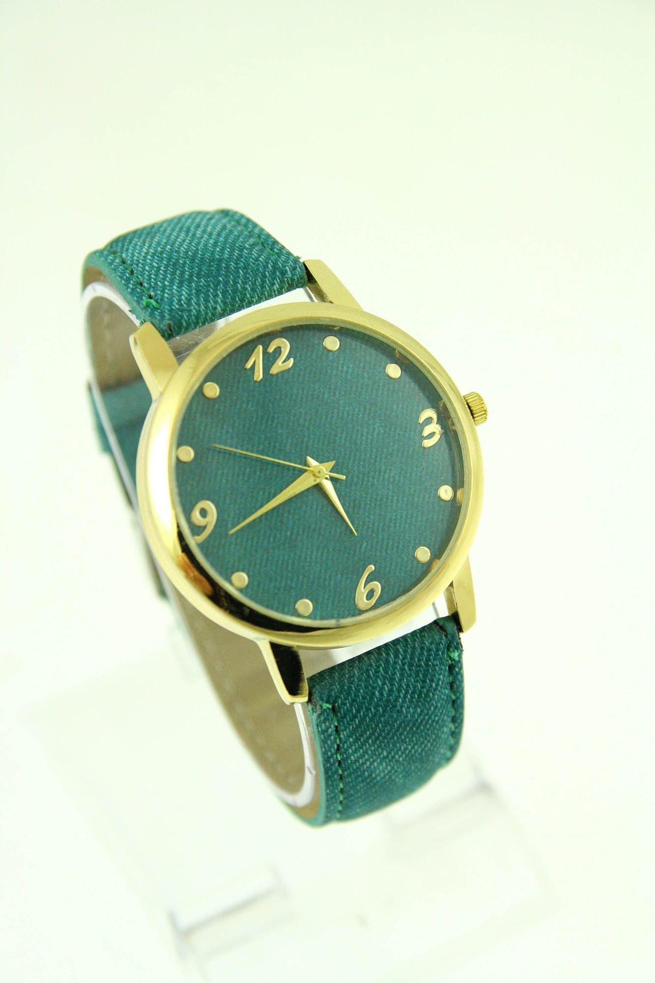 Miętowy zegarek damski z imitacją jeansu na skórzanym pasku                                  zdj.                                  1
