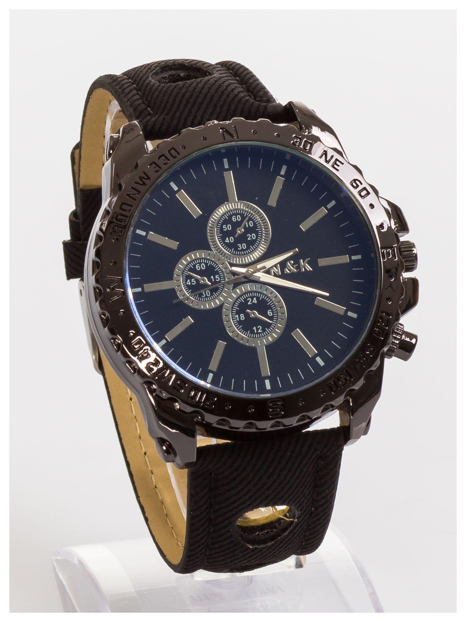 N&K Zegarek męski. Duża tarcza z ozdobnym tachometrem, opalizujące szkiełko oraz oryginalny pasek z wycięciami                                  zdj.                                  4