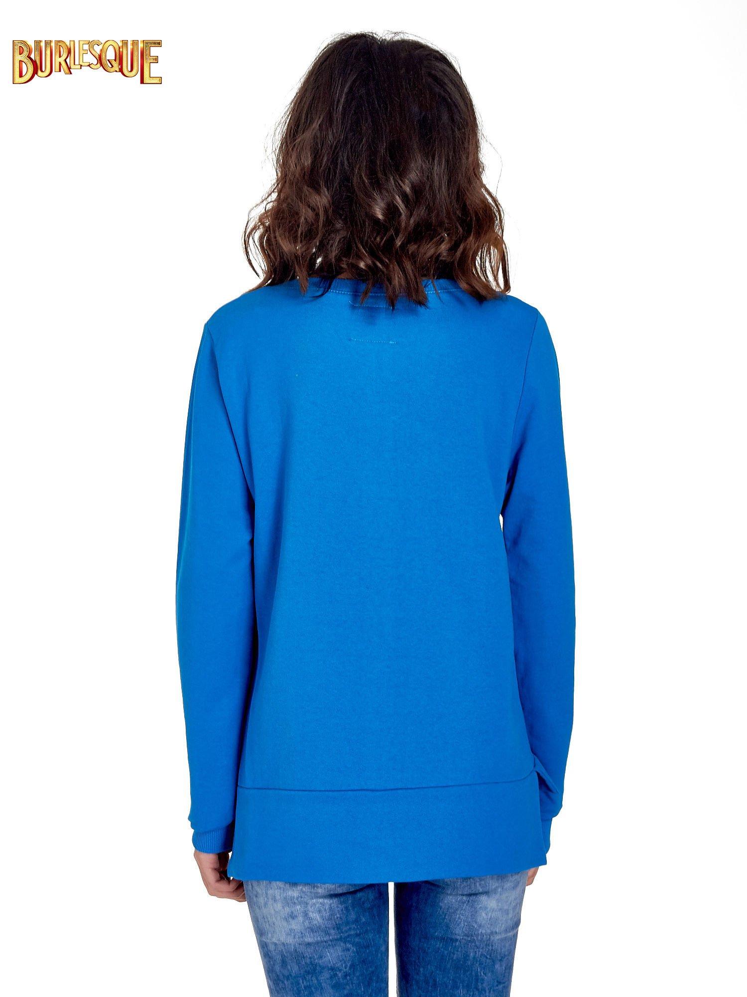 Niebieska bluza z napisem LOVE ME i dłuższym tyłem                                  zdj.                                  4