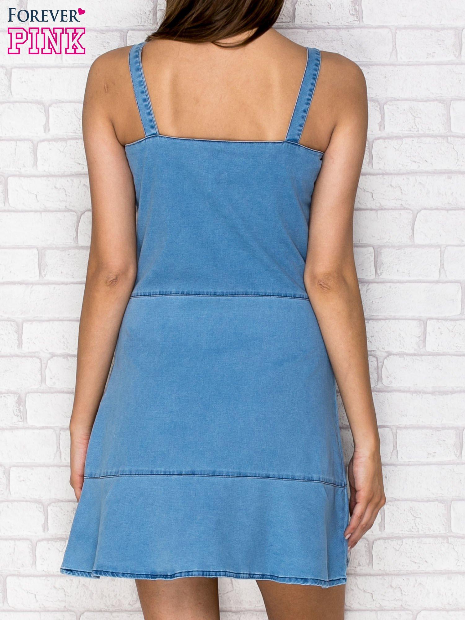 Niebieska denimowa sukienka na ramiączkach                                  zdj.                                  2