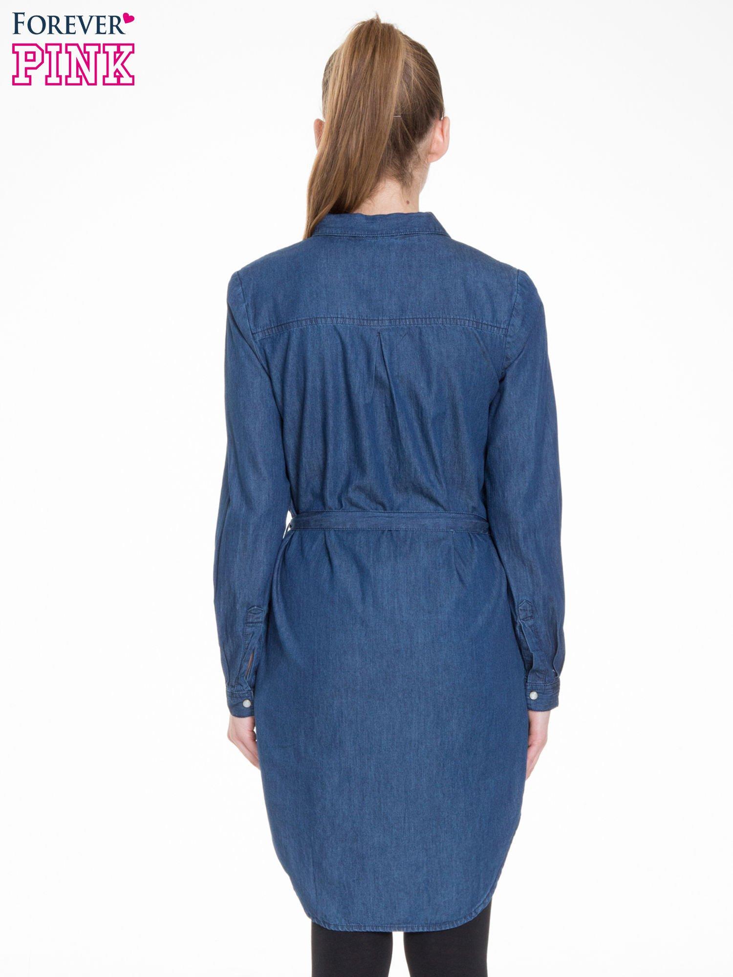 Niebieska jeansowa sukienka typu szmizjerka                                  zdj.                                  4