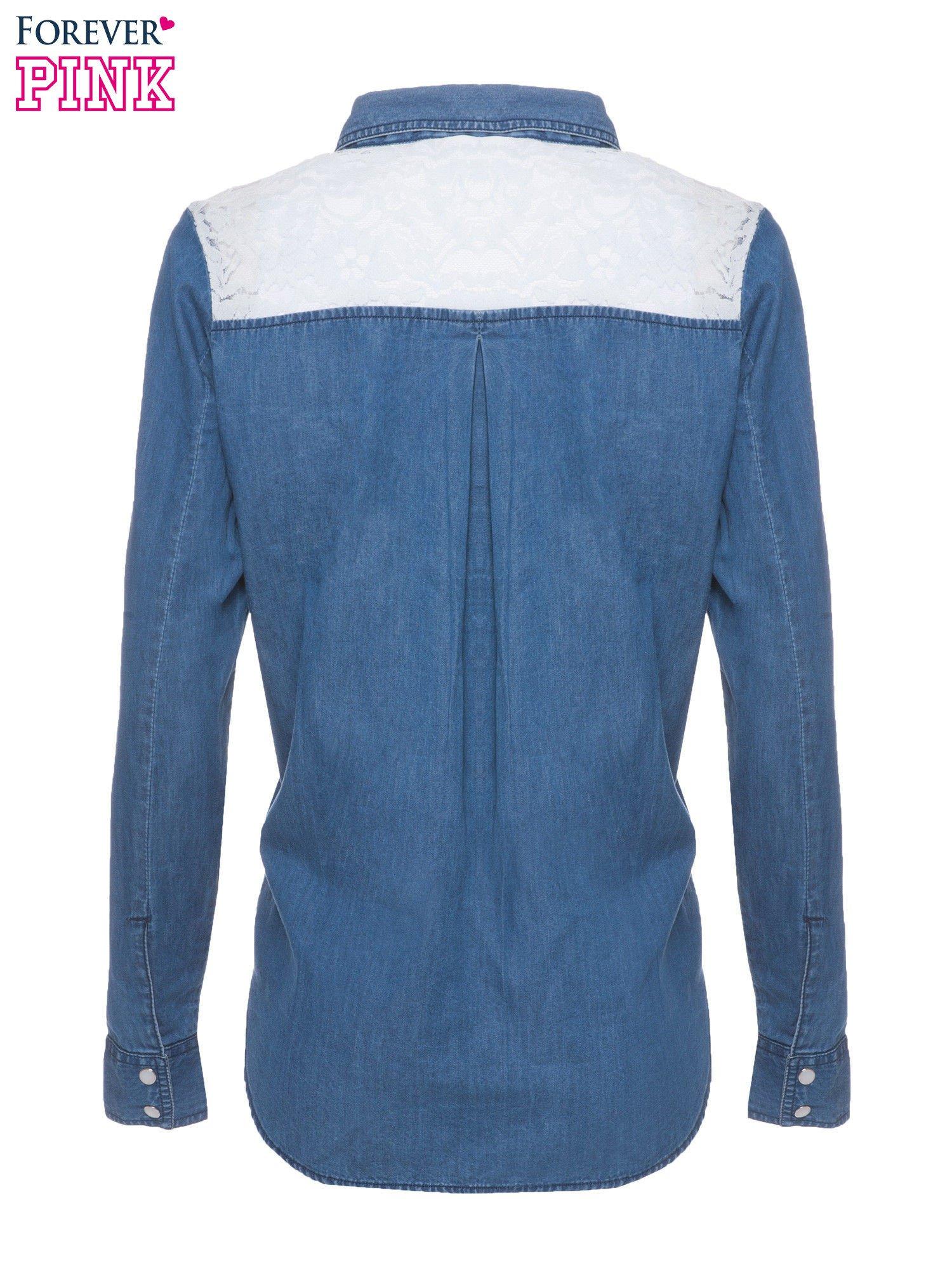 Niebieska koszula jeansowa z koronkową wstawką                                  zdj.                                  5