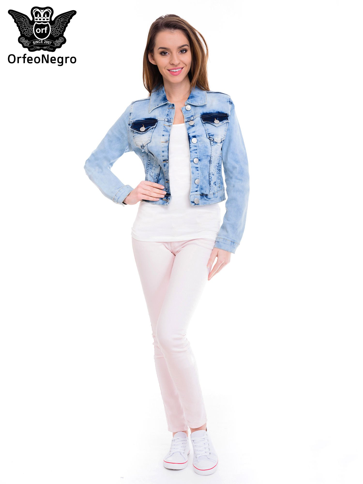 Niebieska kurtka jeansowa damska z cieniowaniem                                  zdj.                                  2