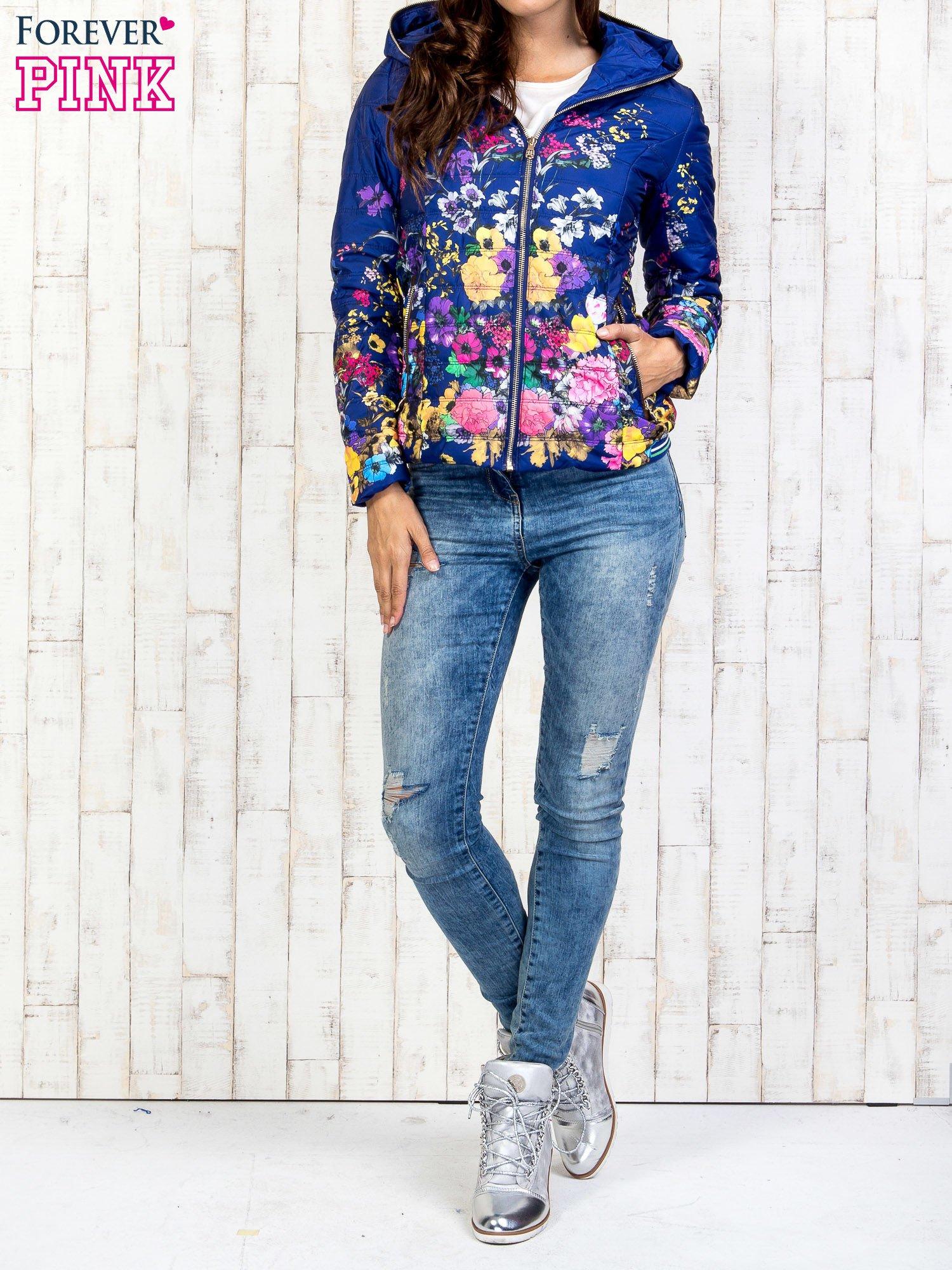 Niebieska kurtka z kwiatowym motywem                                  zdj.                                  7