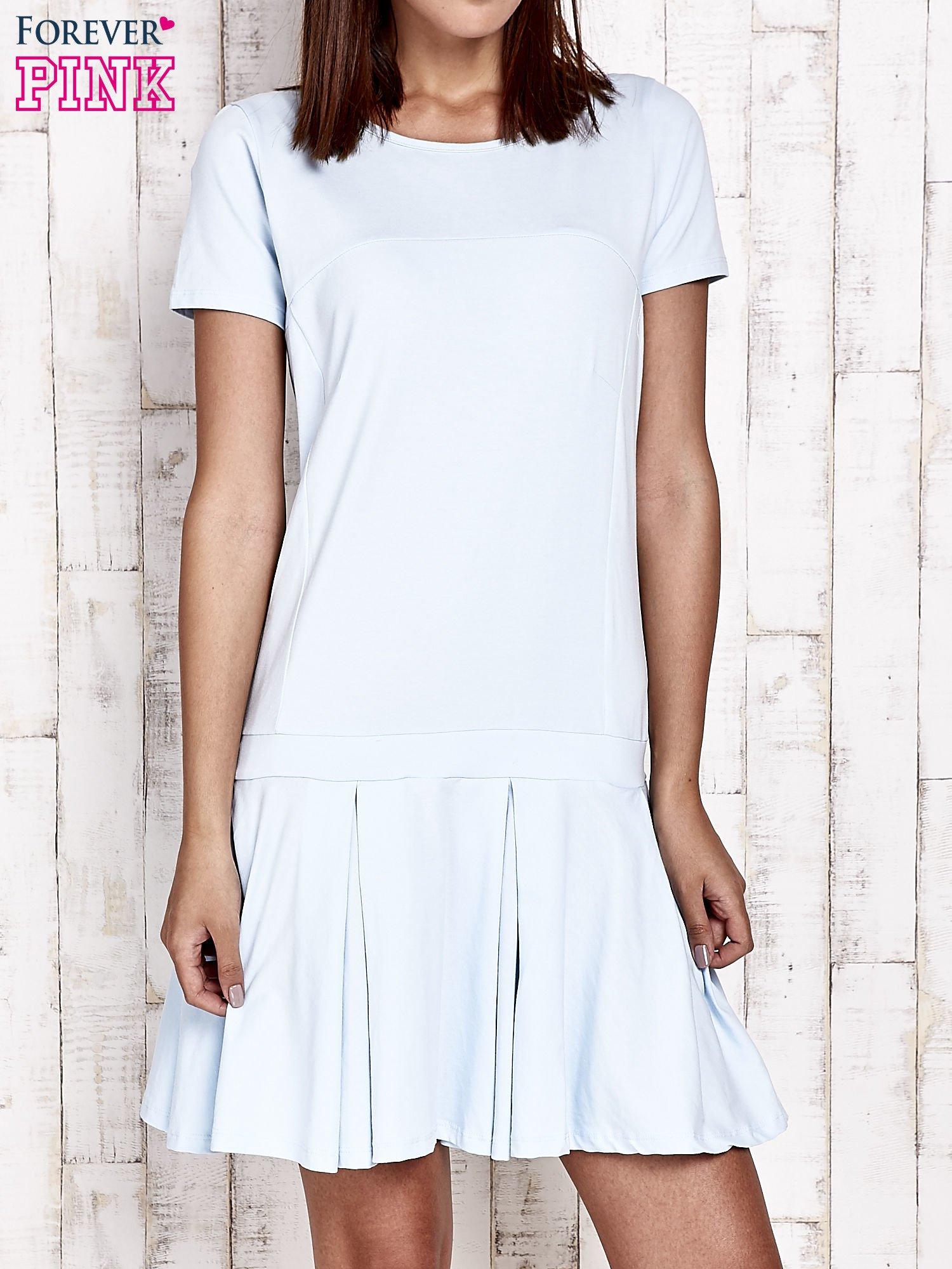 Niebieska sukienka dresowa z kokardami z tyłu                                  zdj.                                  1