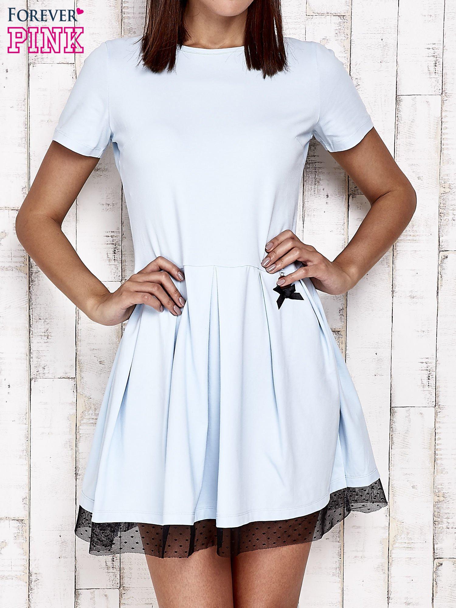 Niebieska sukienka dresowa z tiulem w groszki                                  zdj.                                  1