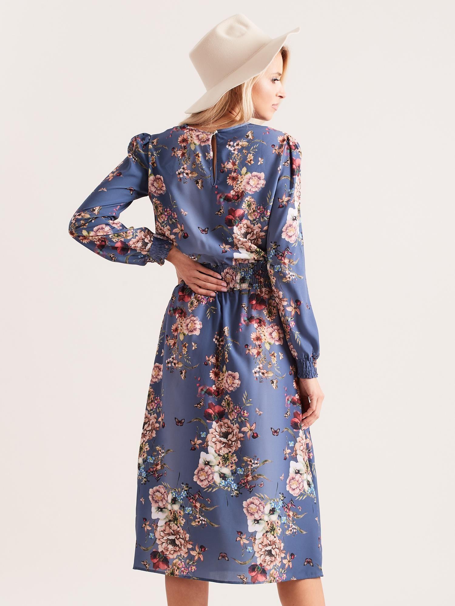 1dc6c696644bd Niebieska sukienka midi w kwiaty - Sukienka z printem - sklep eButik.pl