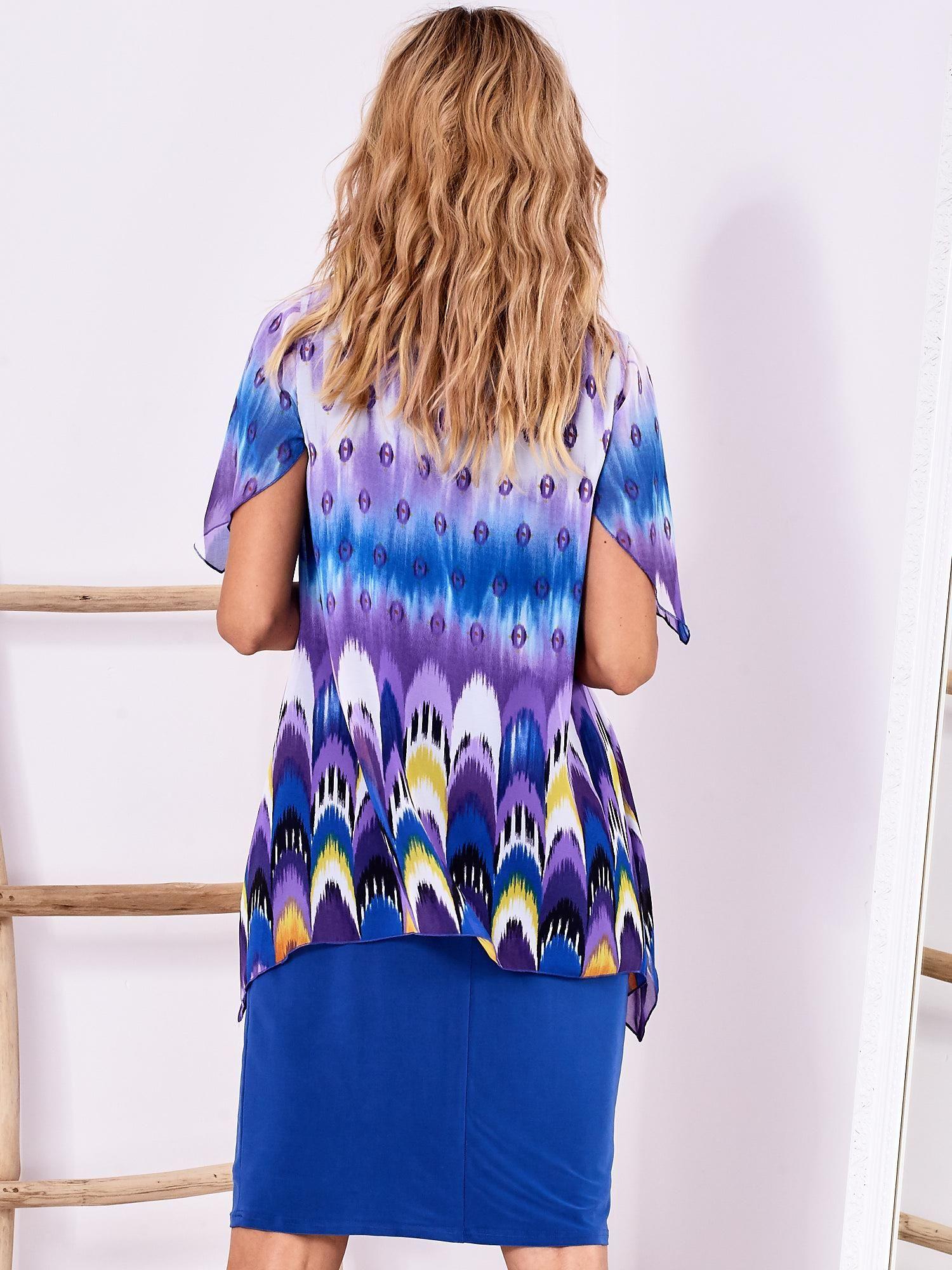 86fd5d9962 Niebieska sukienka w kolorowe wzory PLUS SIZE - Sukienka koktajlowa ...