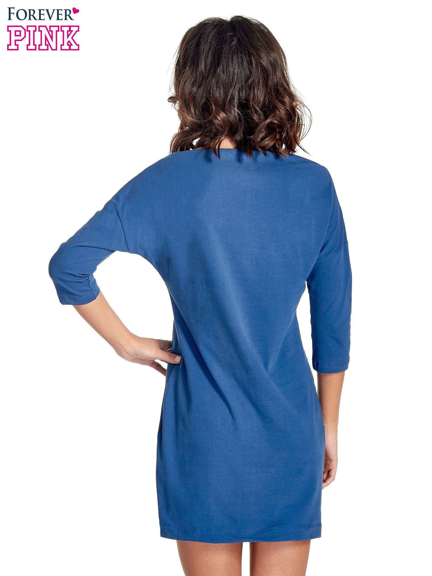 Niebieska sukienka z dekoltem w łódkę                                  zdj.                                  4
