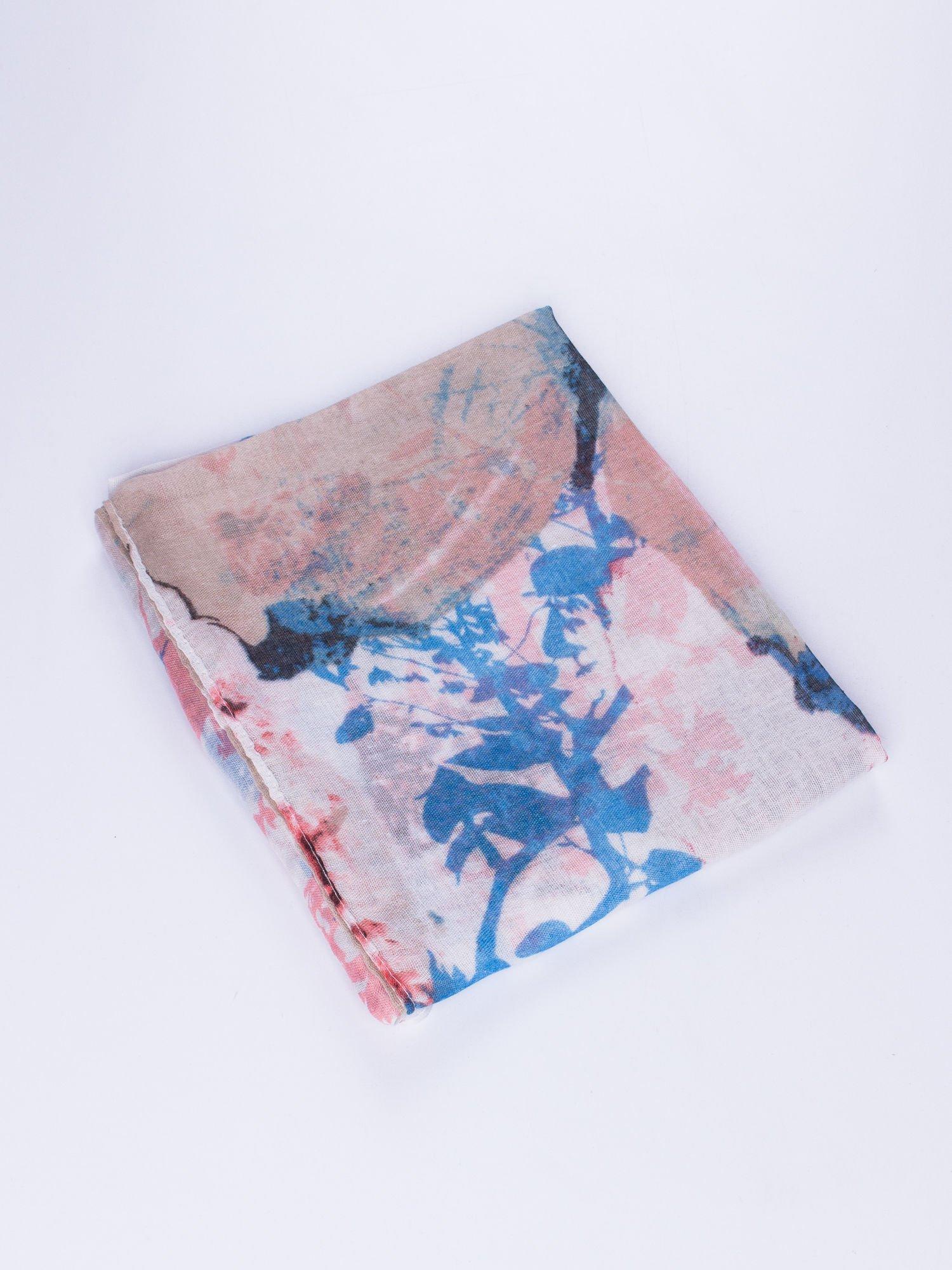 Niebieski cienki szal w motyle                                  zdj.                                  2