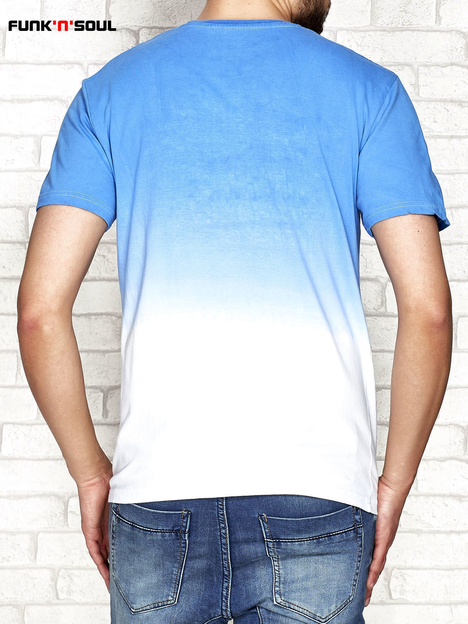 e61015e98f Niebieski t-shirt męski ombre z napisem FUNK N SOUL - Mężczyźni T ...