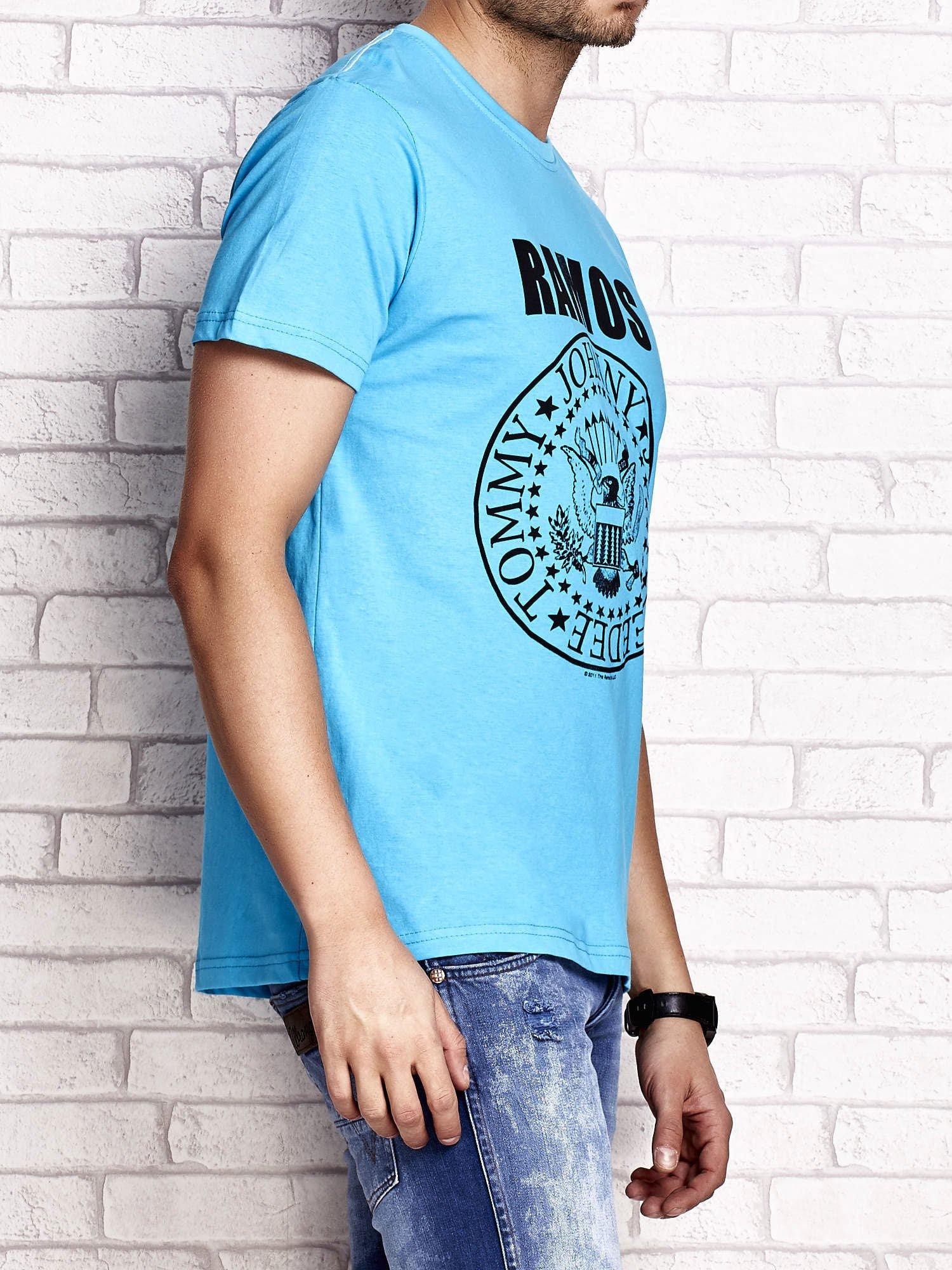 Niebieski t-shirt męski z napisem RAMOS i nadrukiem                                  zdj.                                  3