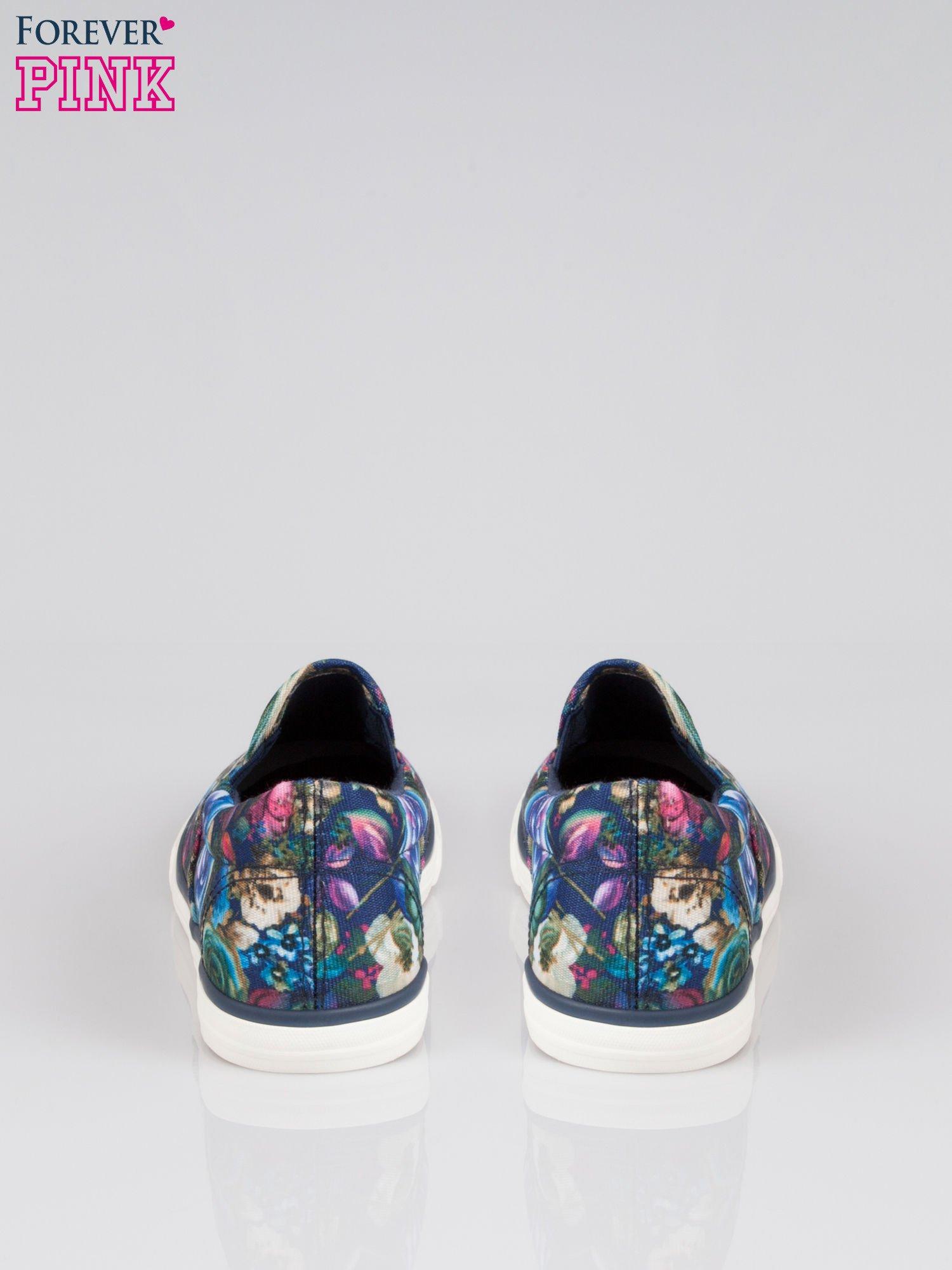 Niebieskie kwiatowe buty slipony Claireen                                  zdj.                                  3