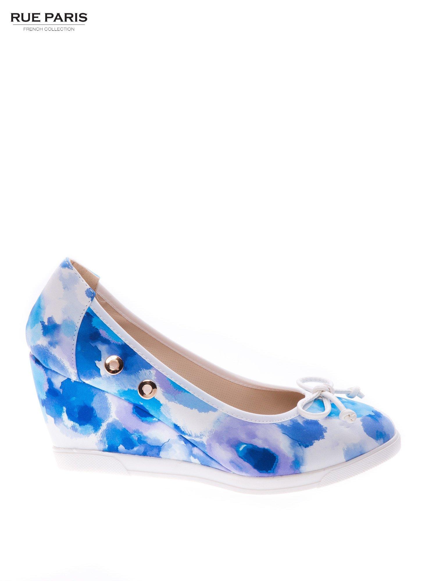 Niebieskie kwiatowe koturny                                  zdj.                                  1