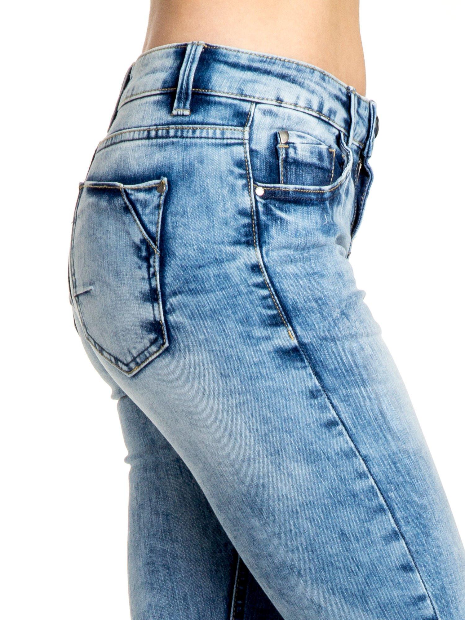 Niebieskie spodnie skinny jeans ripped knee                                  zdj.                                  4