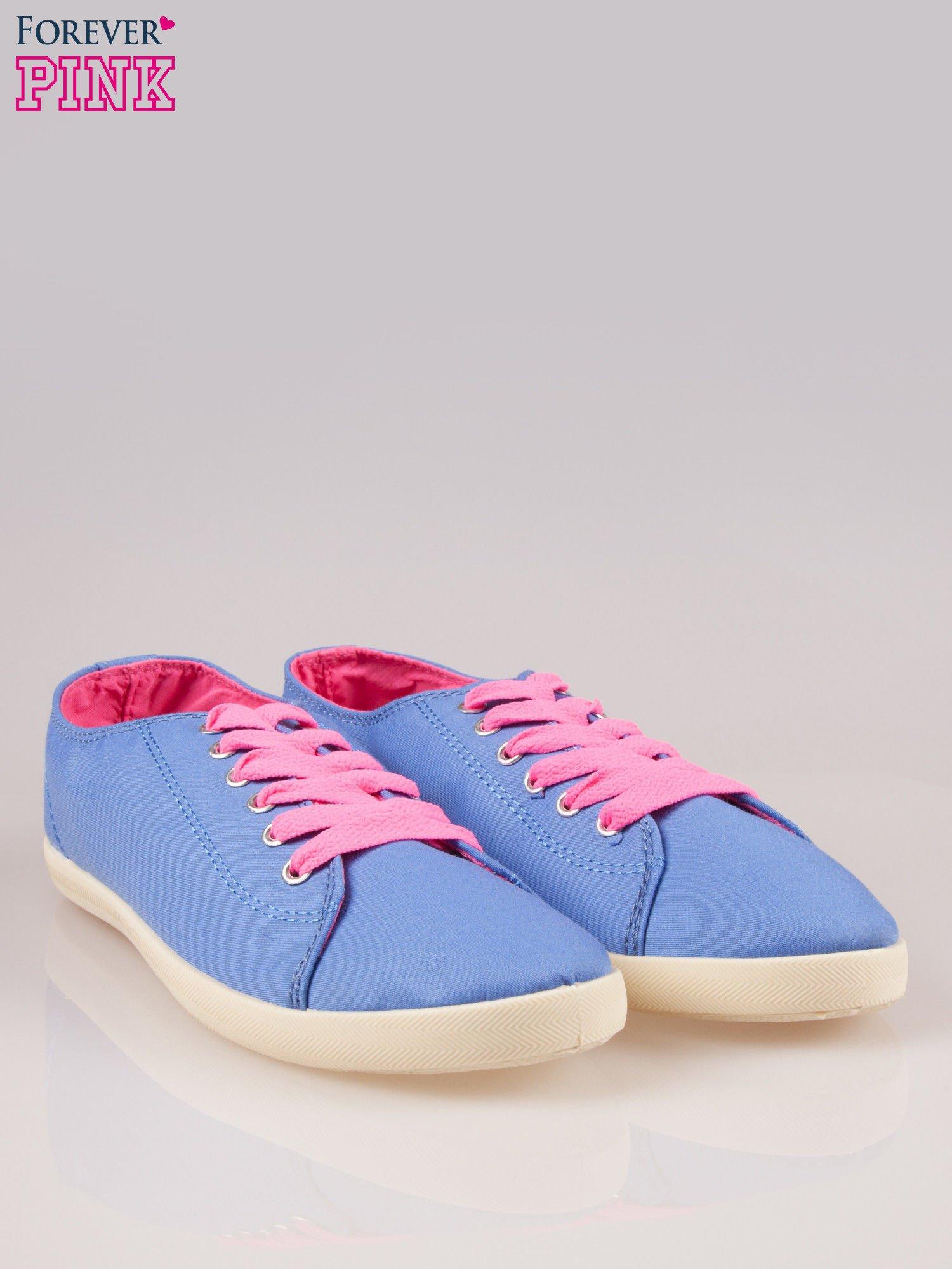 Niebieskie tenisówki damskie z różowymi sznurówkami                                  zdj.                                  2