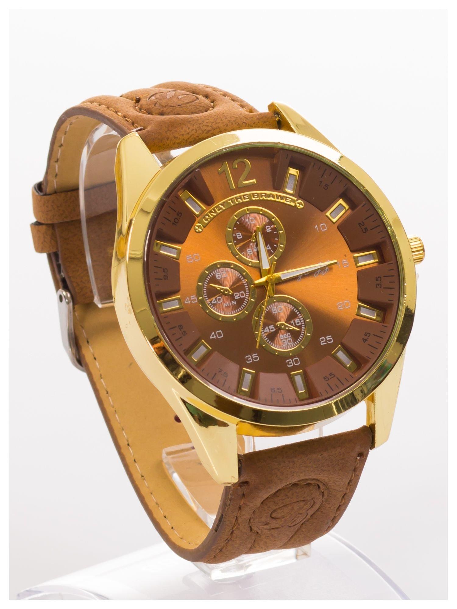 Nowoczesny i duży męski zegarek na skórzanym welurowym pasku oraz z ozdobnym chronografem na tarczy.                                   zdj.                                  2