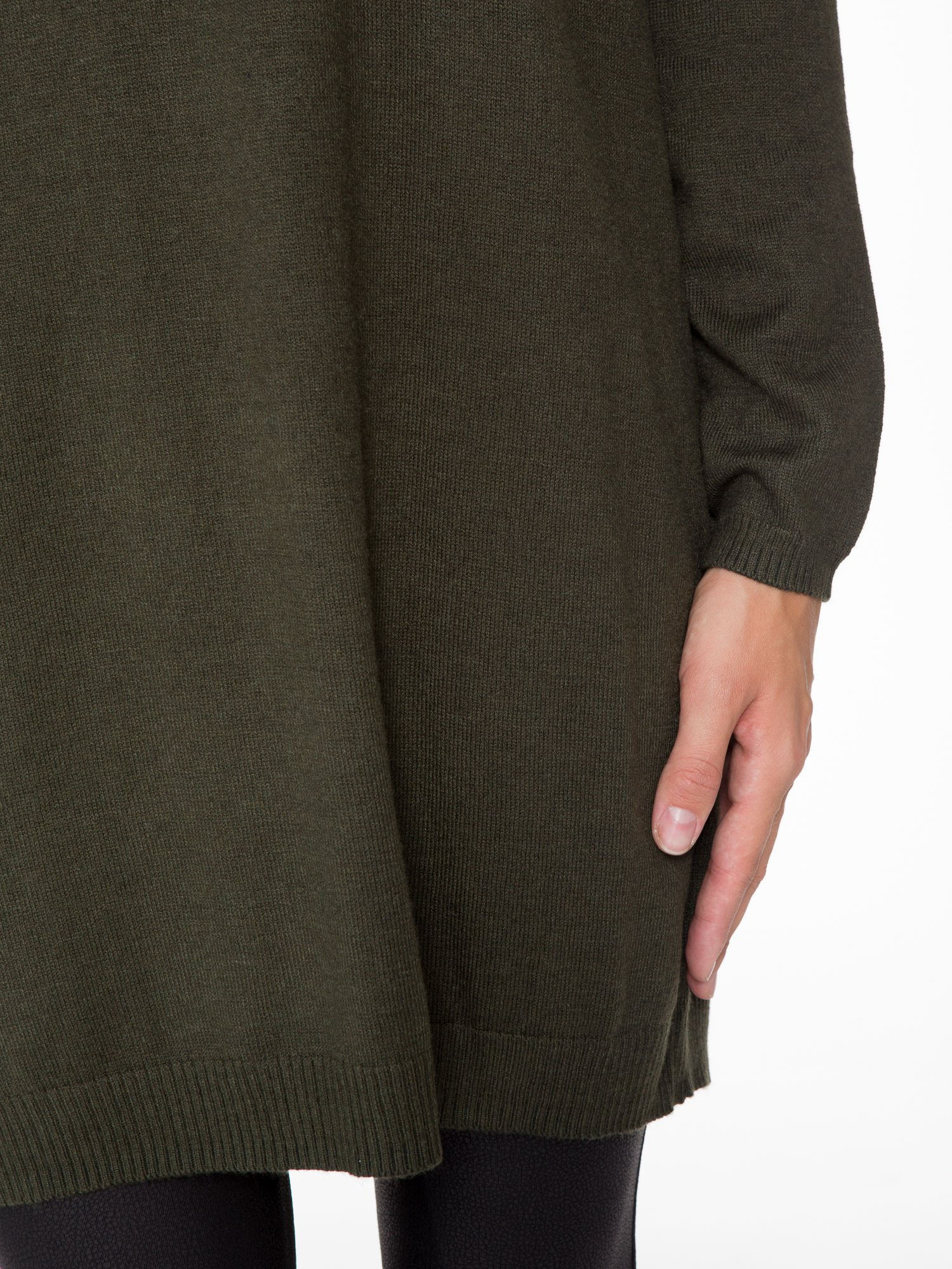 Oliwkowa prosta dzianinowa sukienka                                  zdj.                                  6