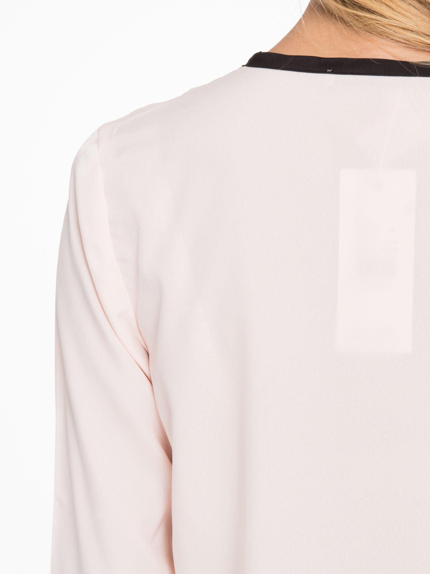 Pasteloworóżowa koszula z kontrastową listwą                                  zdj.                                  9