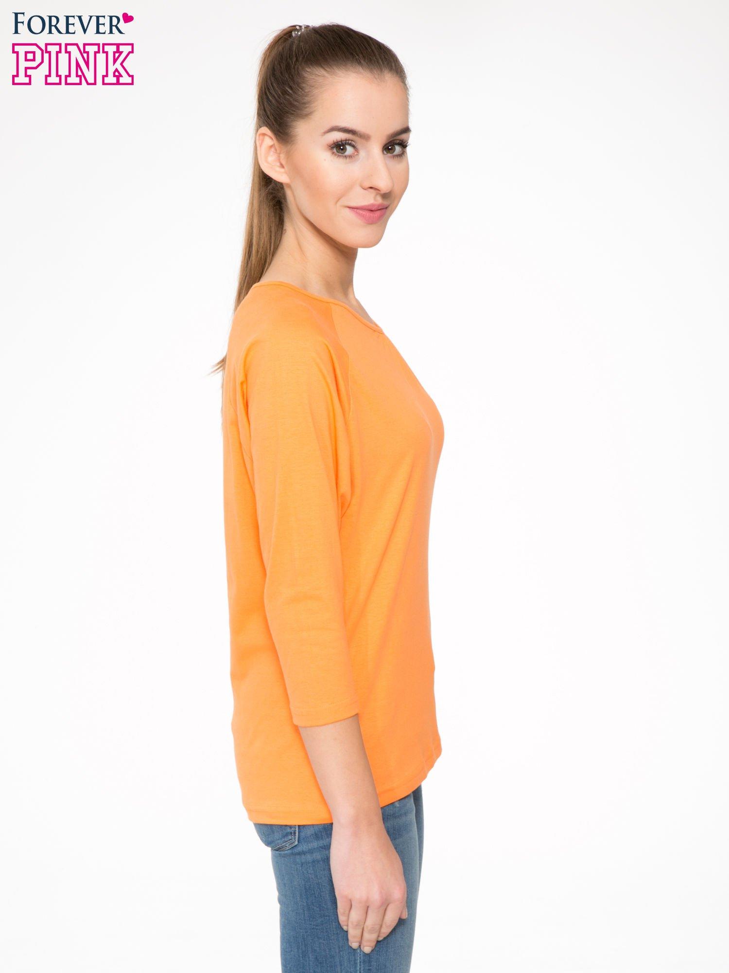 Pomarańczowa bluzka z marszczonym dekoltem i rękawkami 3/4                                  zdj.                                  3