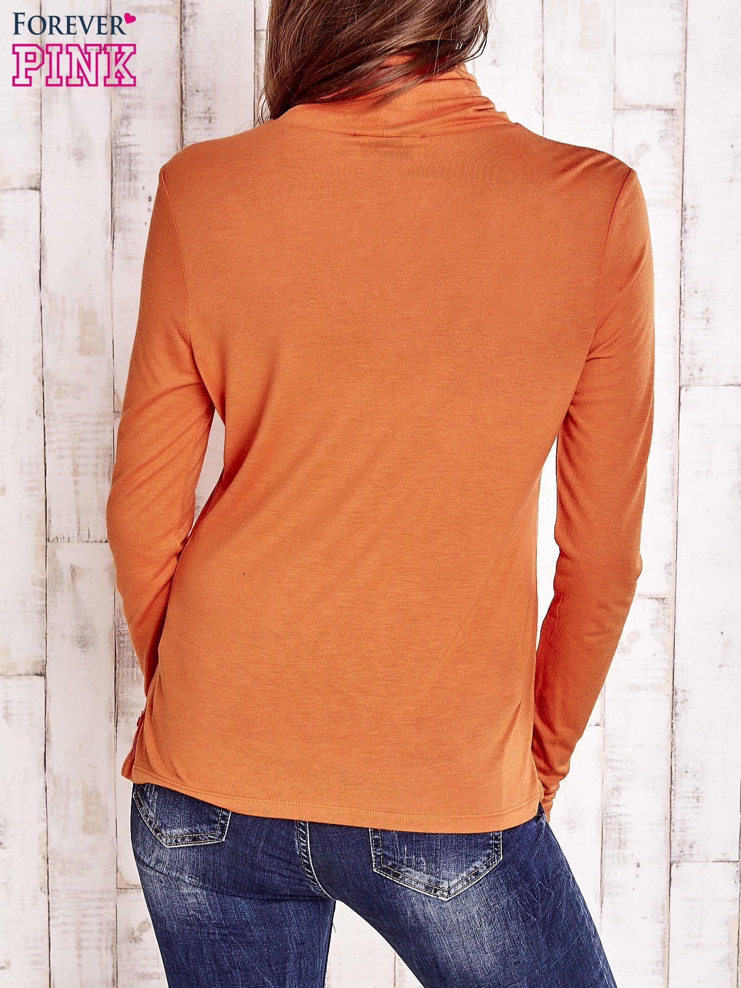 Pomarańczowa gładka bluzka z golfem                                  zdj.                                  2
