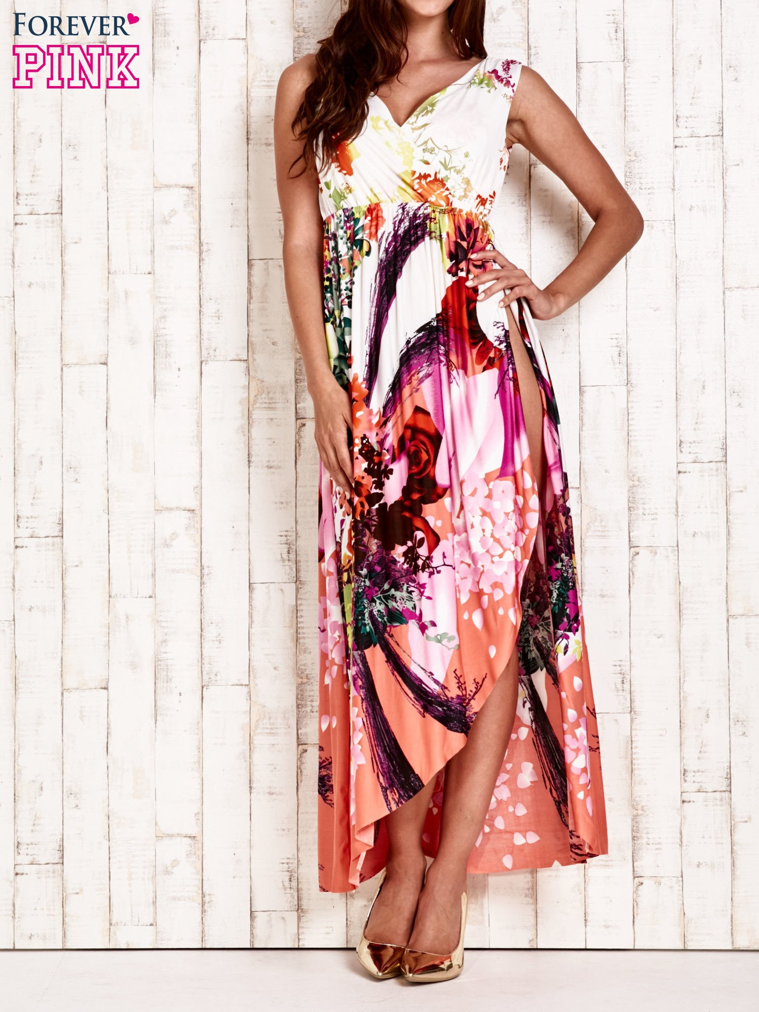 Pomarańczowa sukienka maxi z trójkątnym dekoltem                                  zdj.                                  1