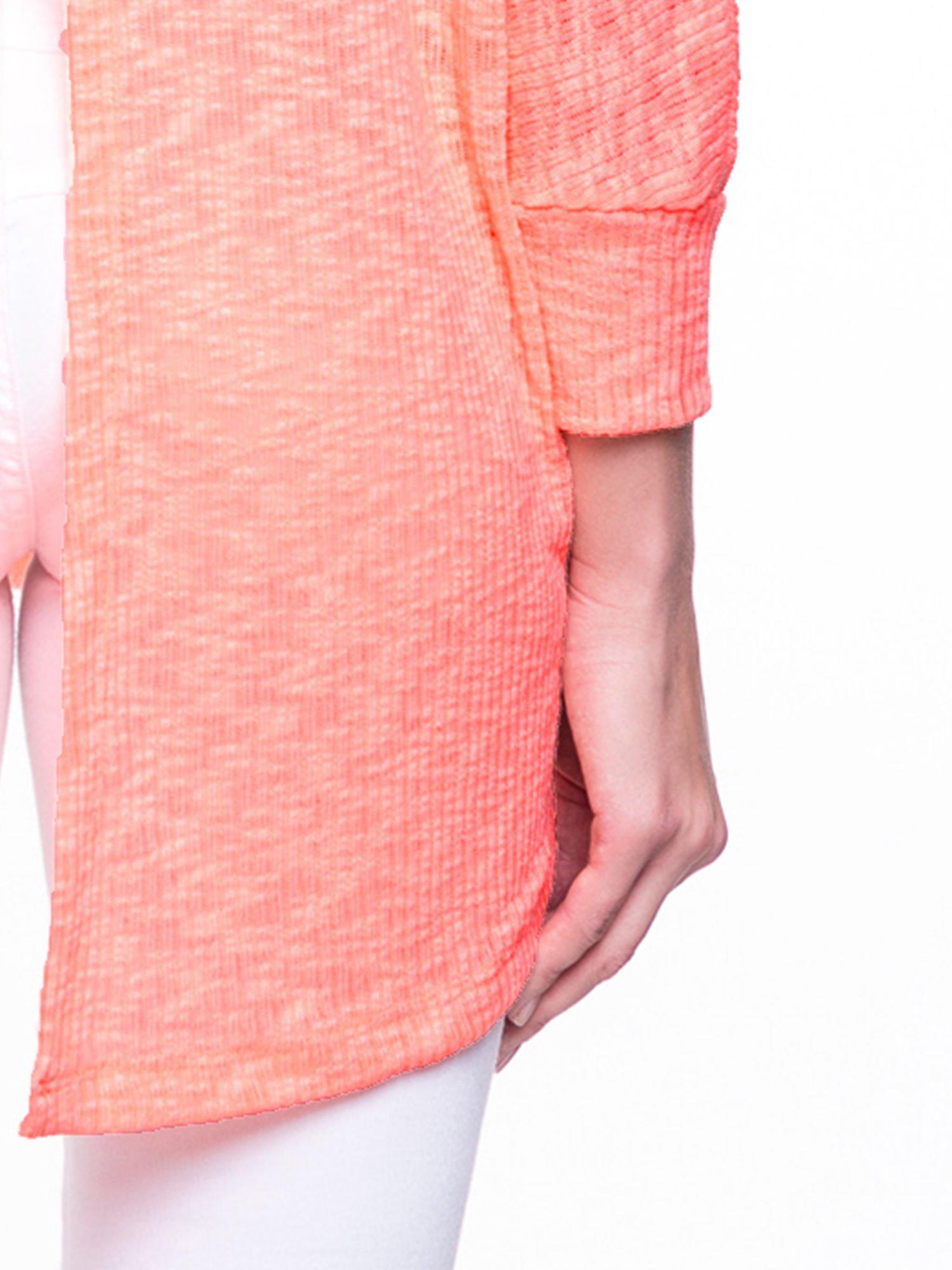 Pomarańczowy sweter z rozcięciem na plecach                                  zdj.                                  7