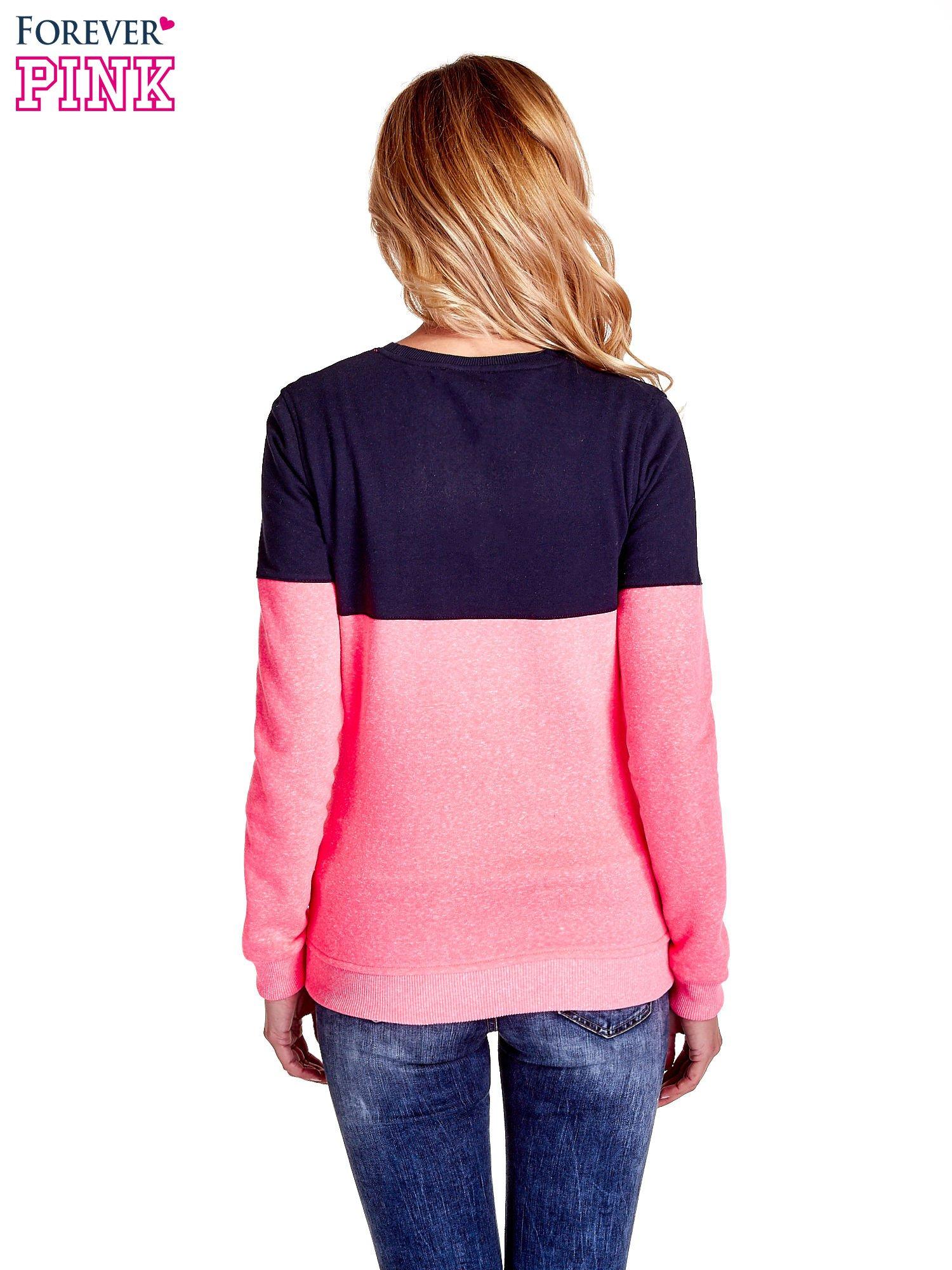 Różowa bluza z napisem I'M SO ADVERSE                                  zdj.                                  4