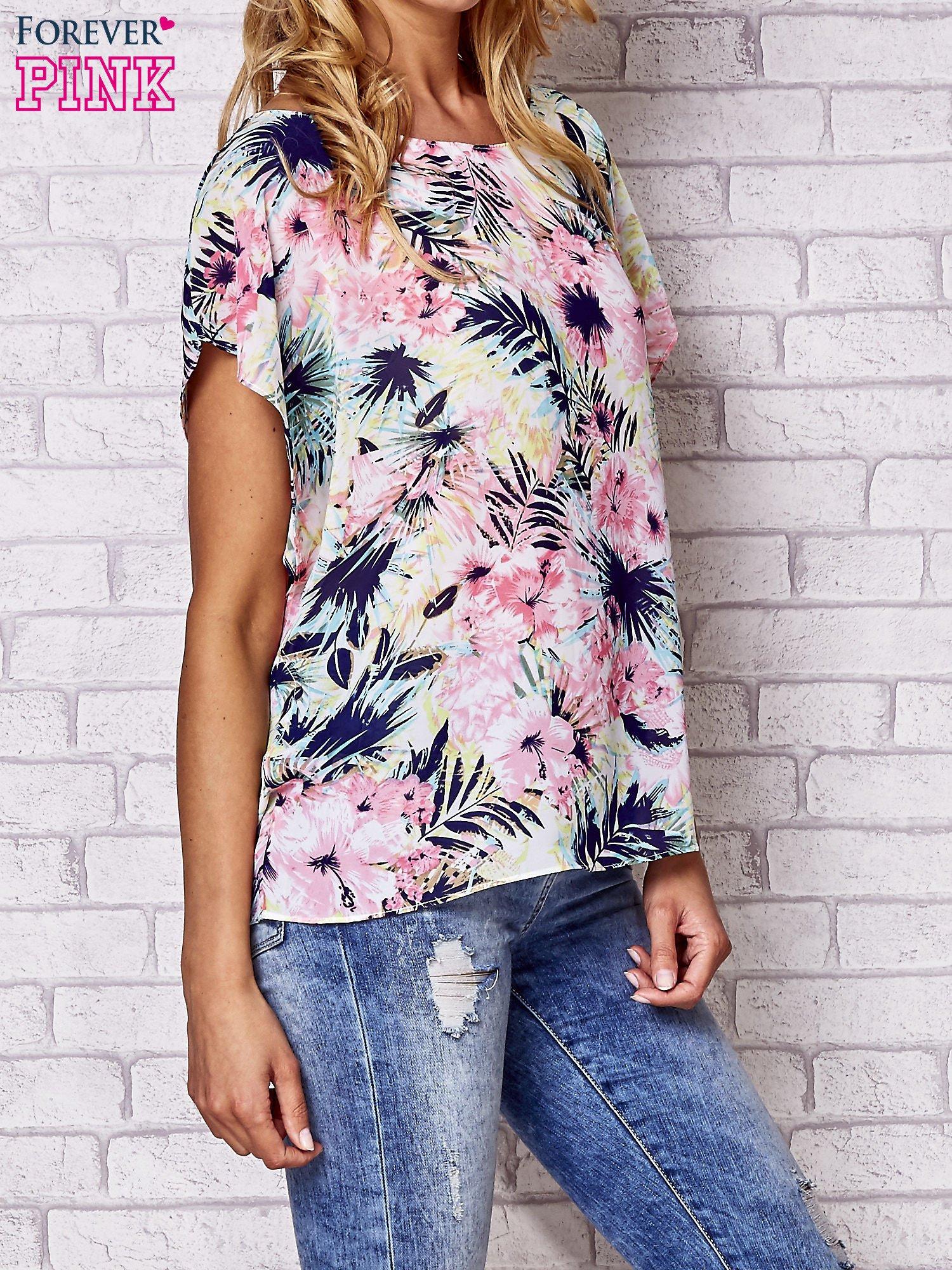 Różowa bluzka koszulowa z motywem exotic print                                  zdj.                                  3