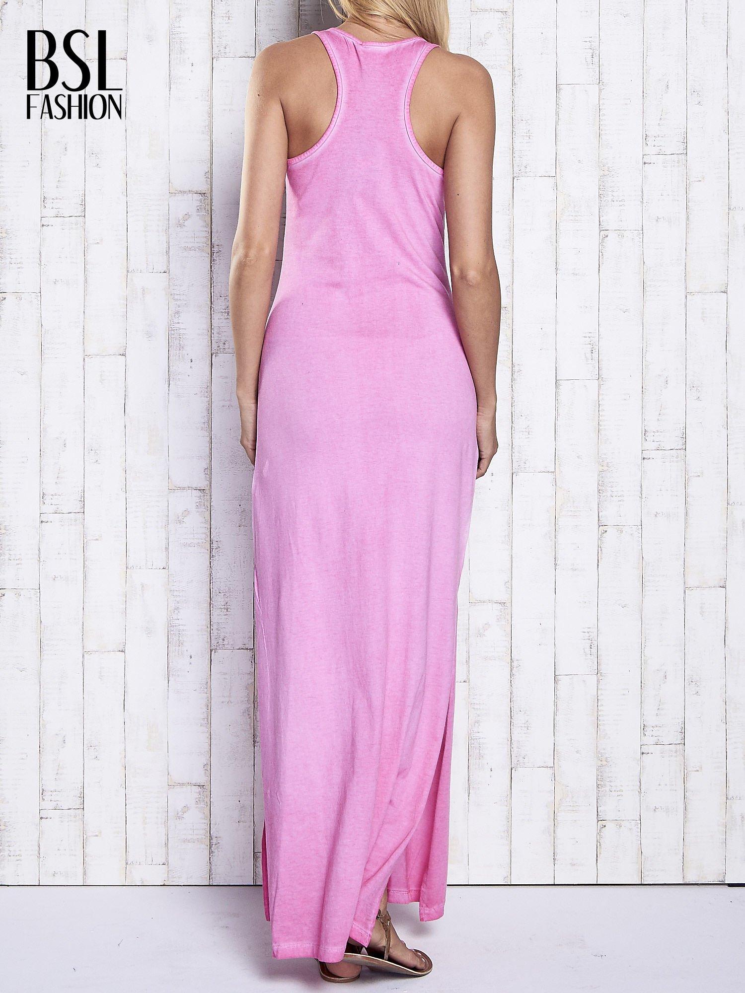 Różowa dekatyzowana sukienka maxi z cekinowym kwiatem                                  zdj.                                  2