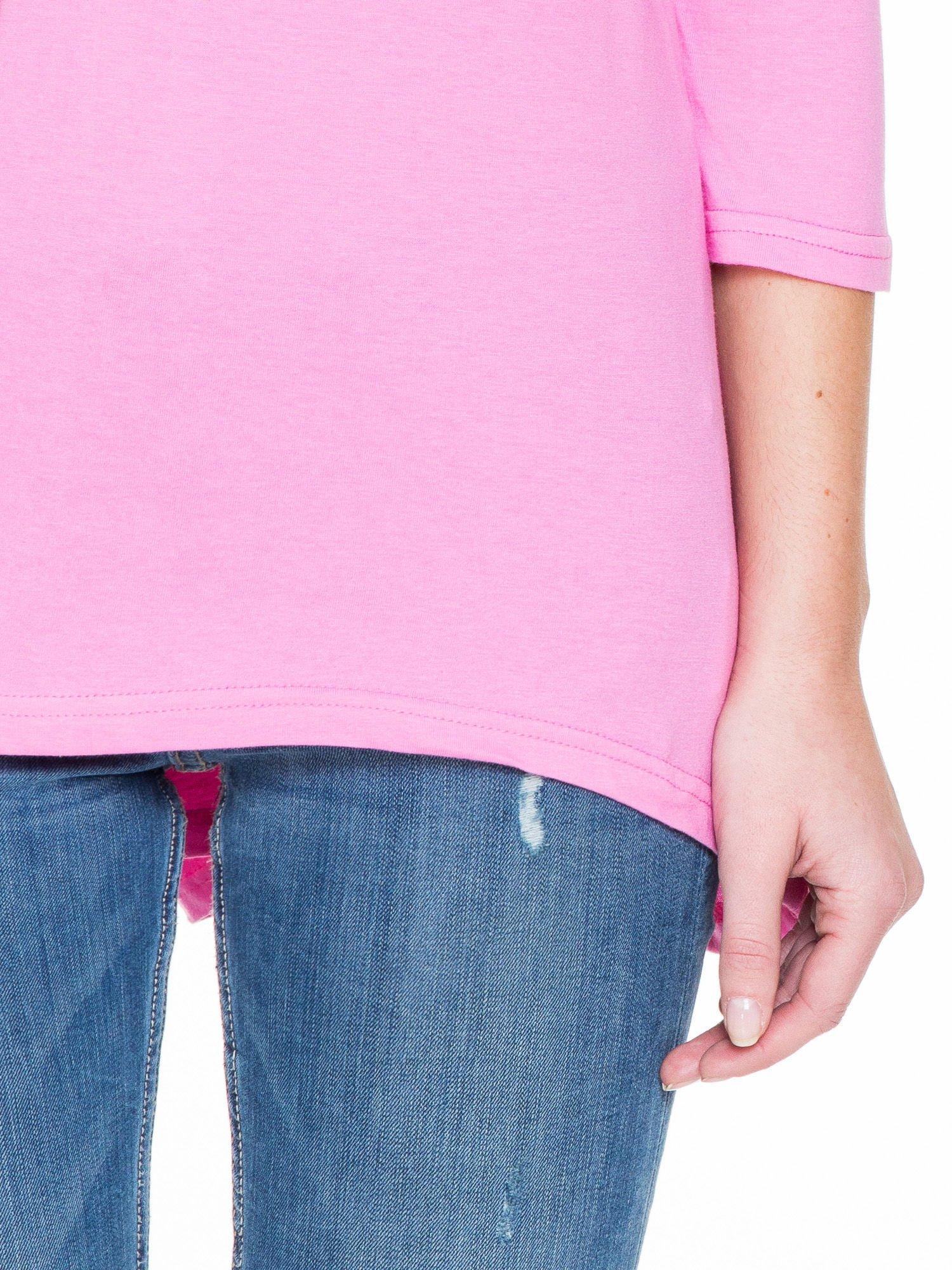 Różowa gładka bluzka z dłuższym tyłem                                  zdj.                                  6