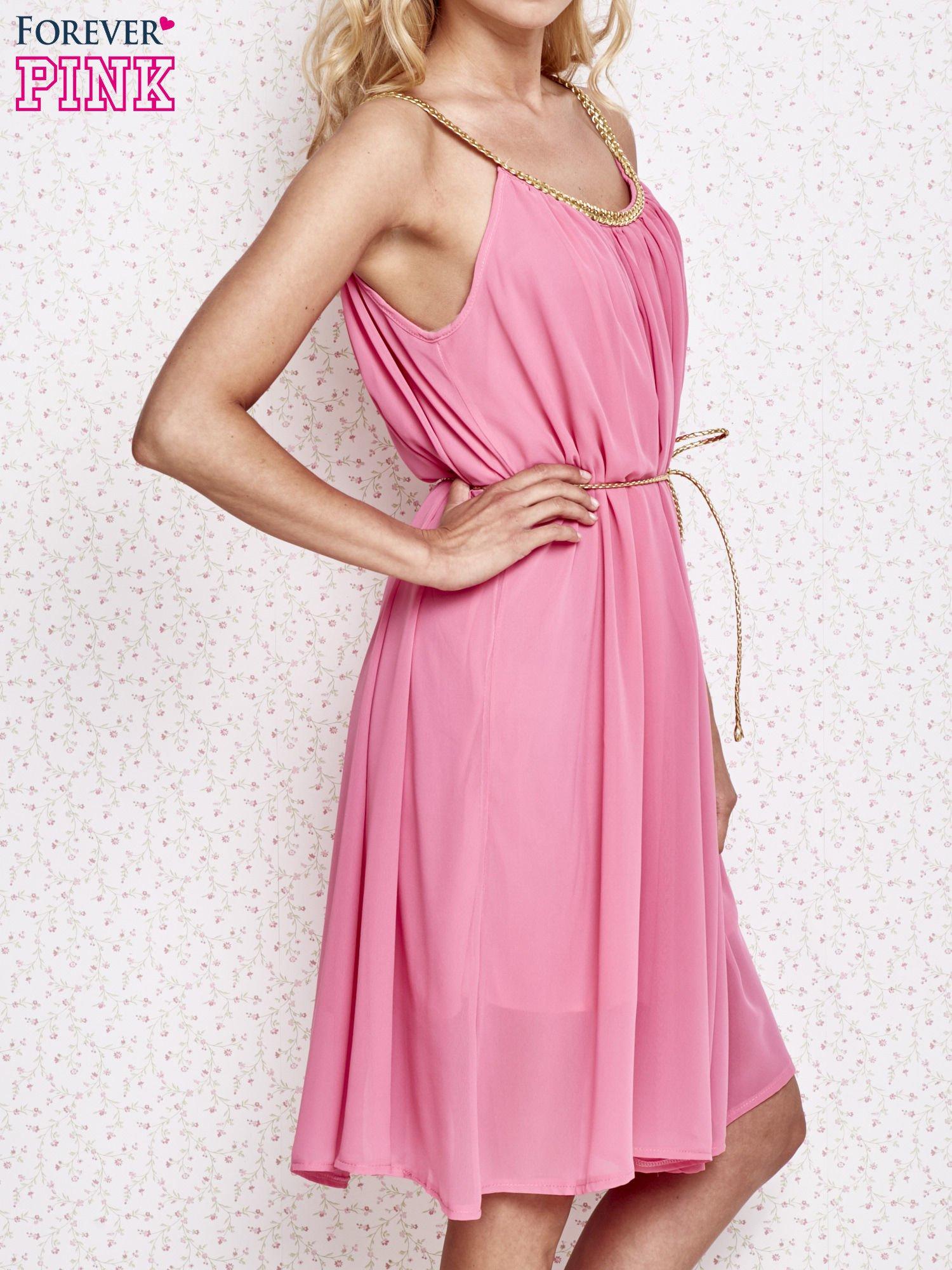 Różowa grecka sukienka ze złotym paskiem                                  zdj.                                  3
