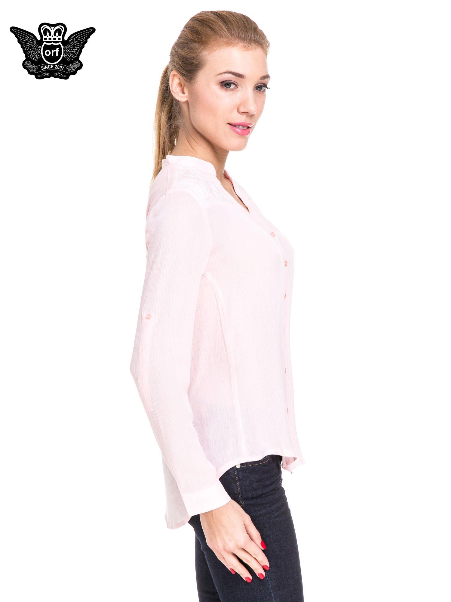 Różowa koszula damska z haftem na ramionach                                  zdj.                                  3