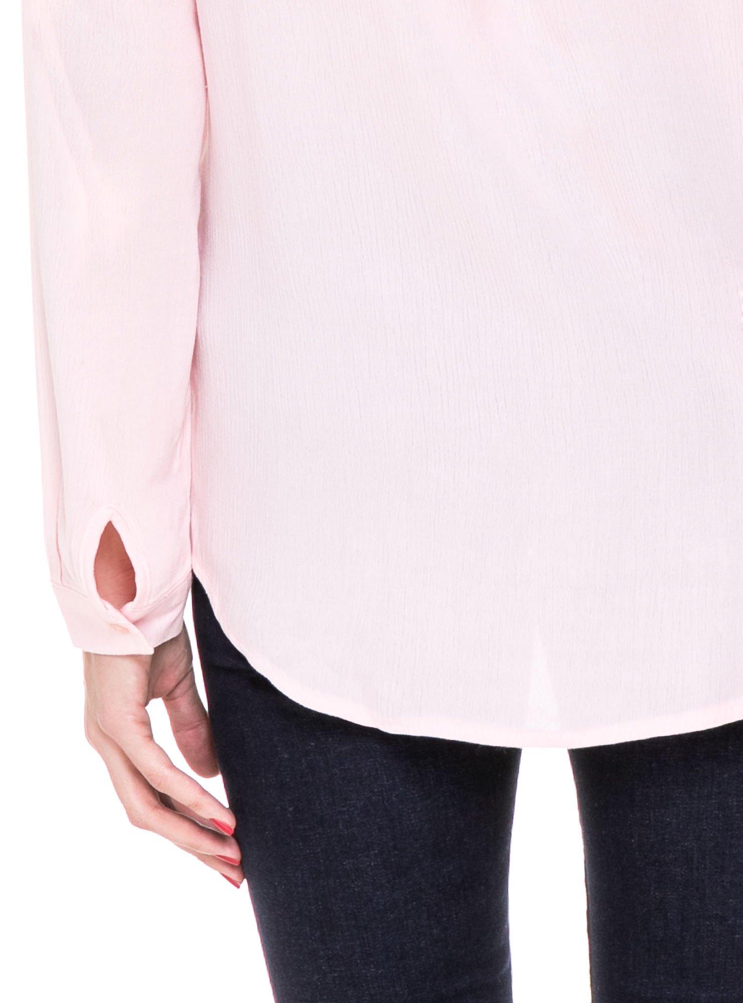 Różowa koszula z biżuteryjnym kołnierzykiem i kieszonkami                                  zdj.                                  9