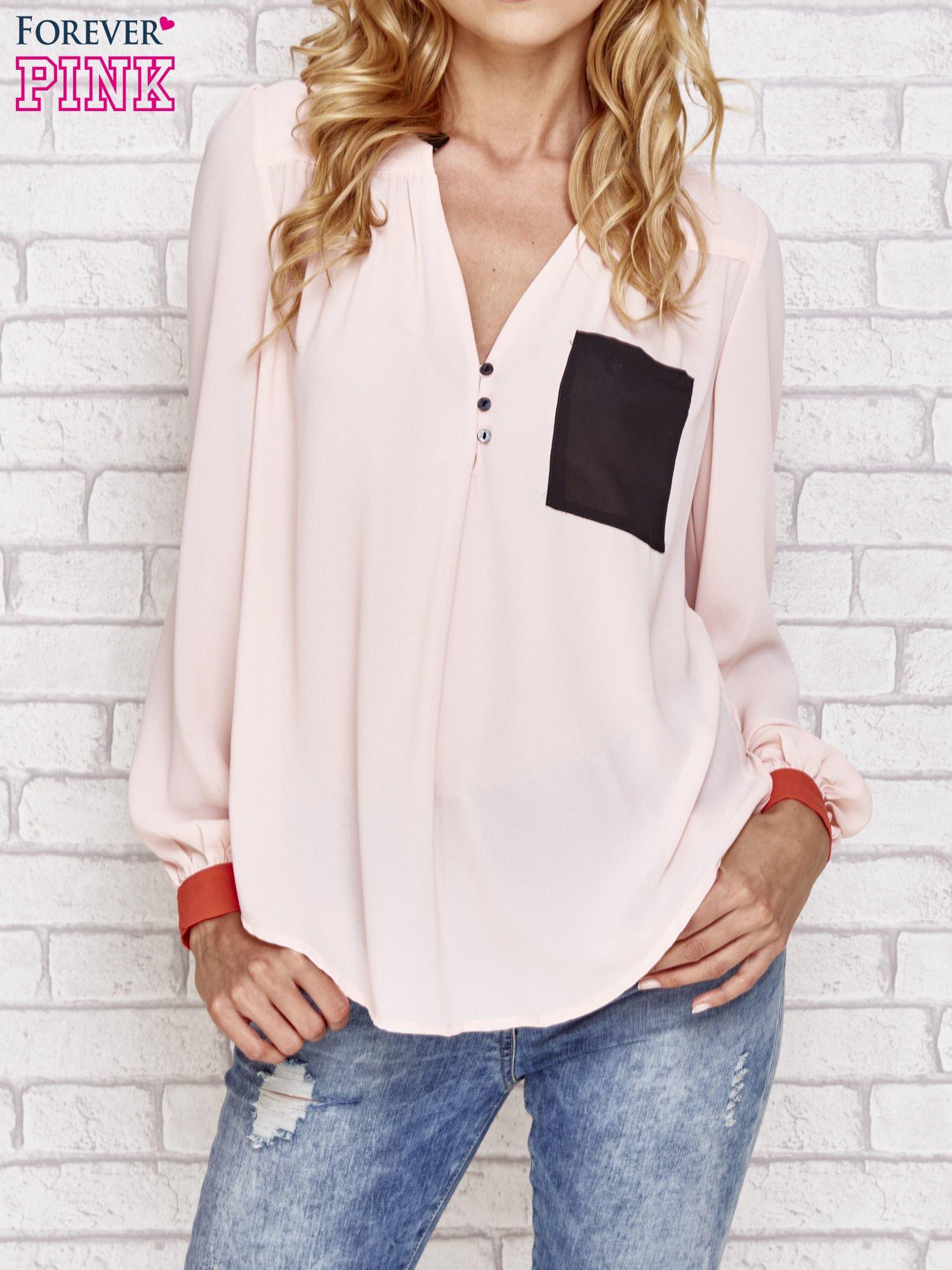 Różowa koszula z kontrastową kieszenią i mankietami                                  zdj.                                  1