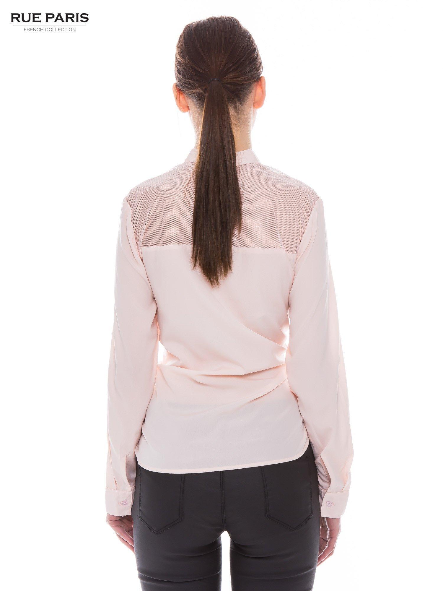 Różowa koszula z siateczkowym tyłem                                  zdj.                                  3