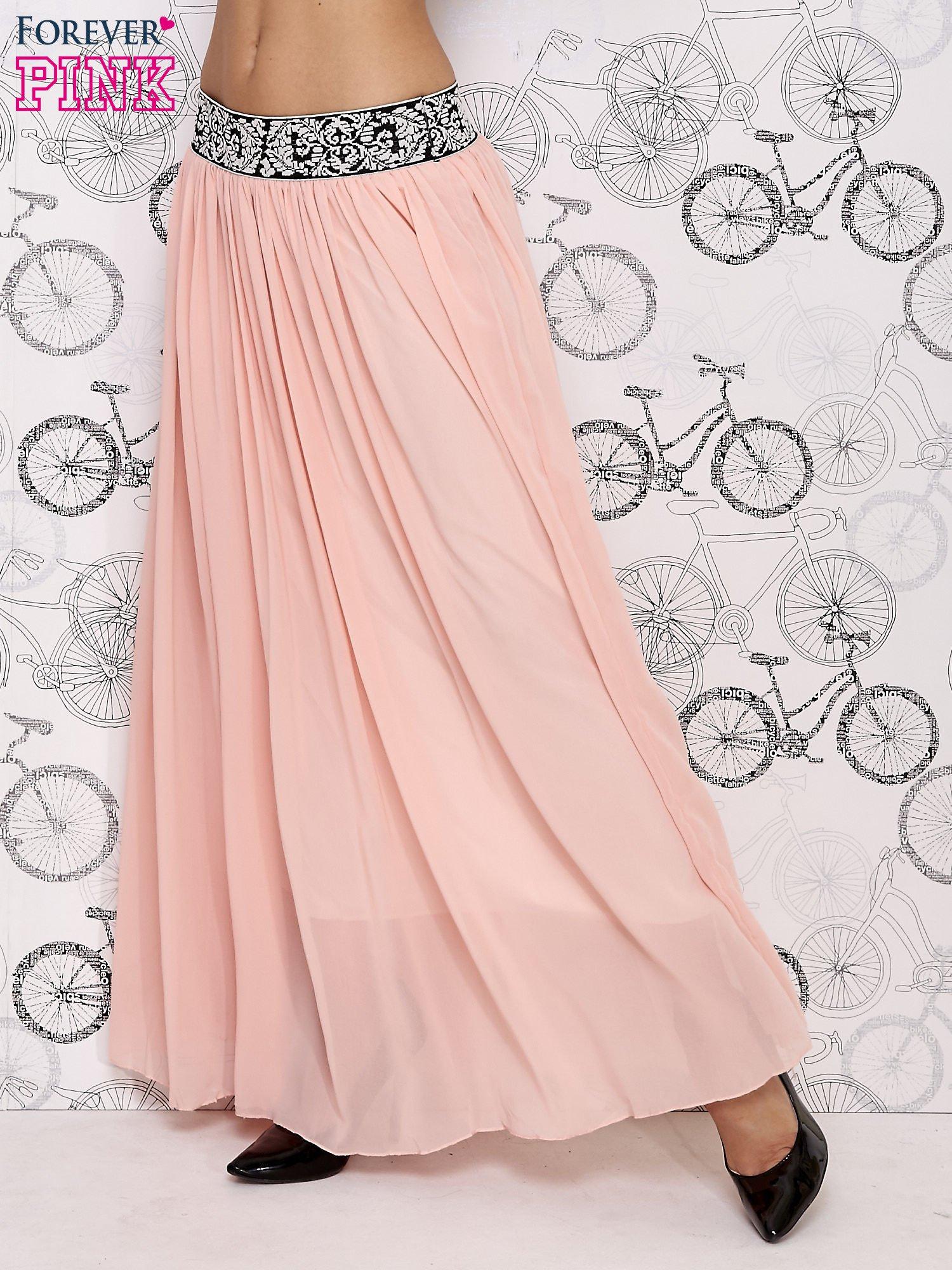 Różowa spódnica maxi z wyszywanym paskiem                                  zdj.                                  3