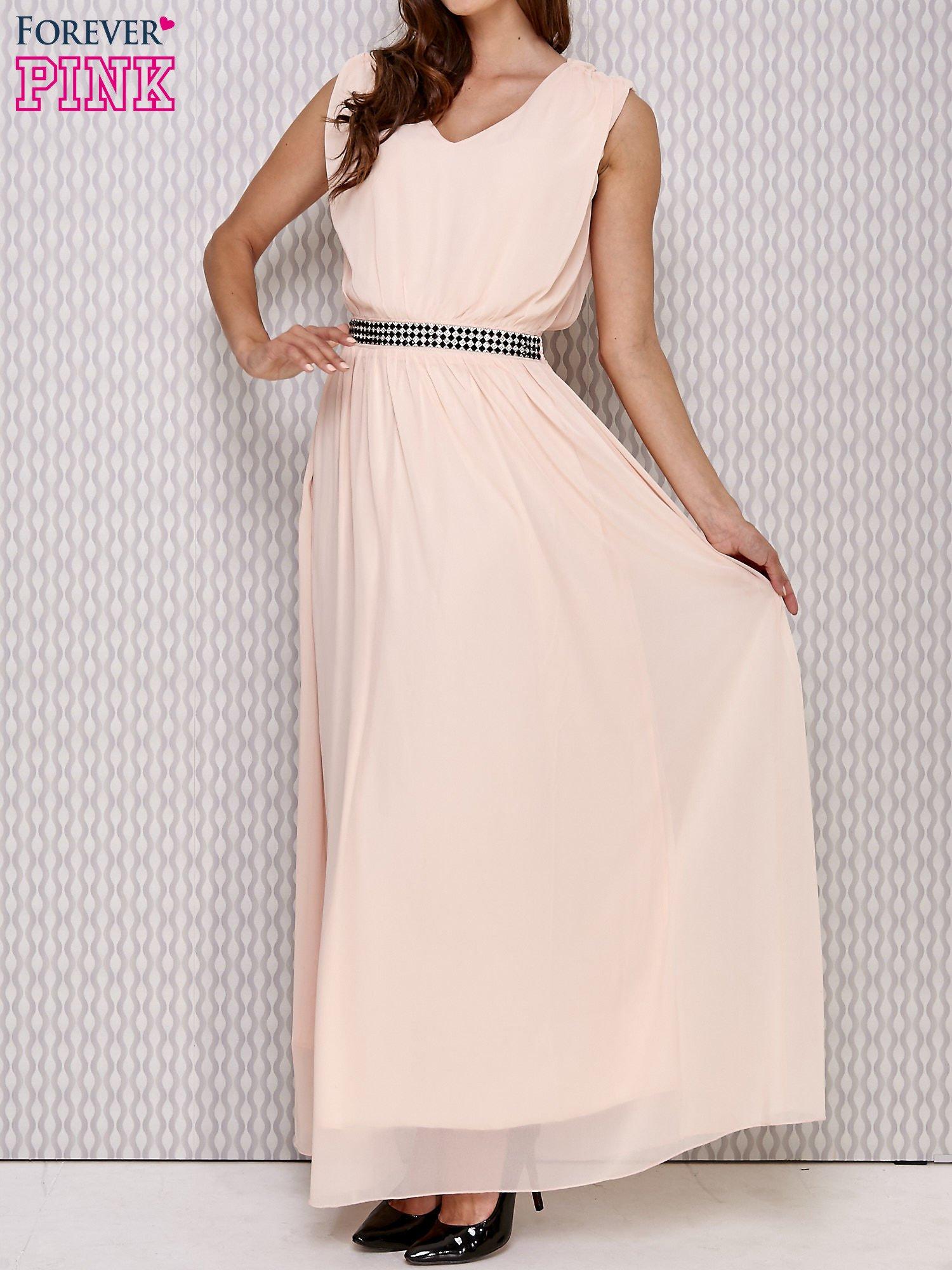 Różowa sukienka maxi z biżuteryjnym pasem                                  zdj.                                  1