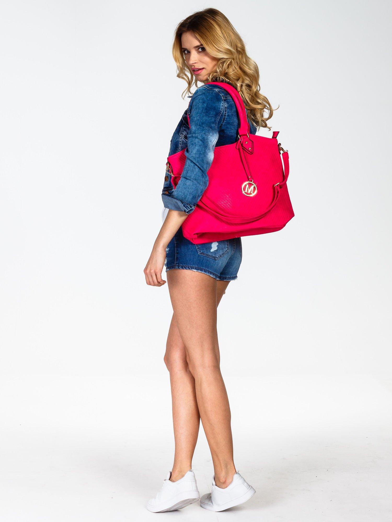 Różowa torebka fakturowana w pasy                                   zdj.                                  6