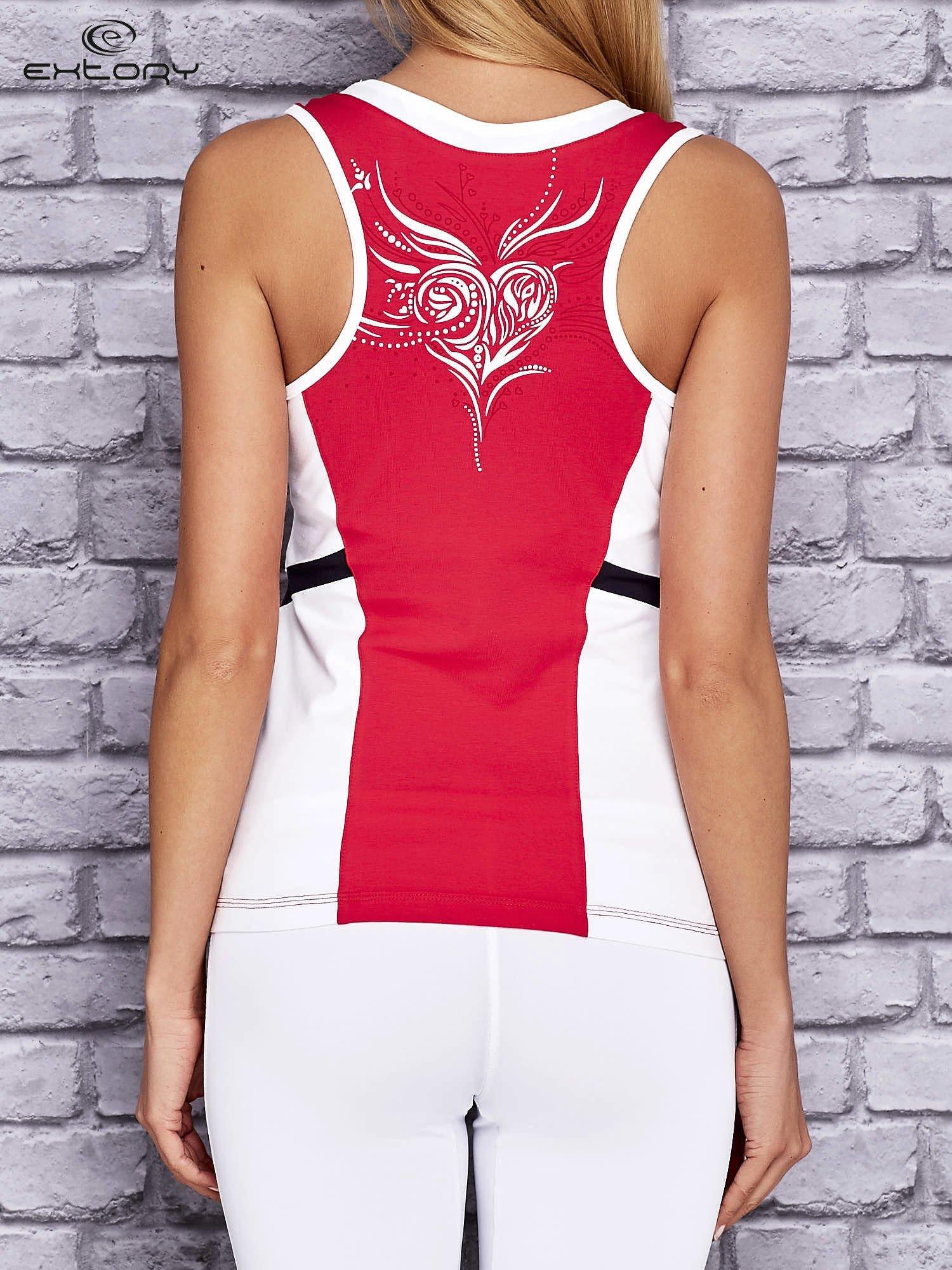 Różowo-biały damski top sportowy z nadrukiem na plecach                                  zdj.                                  2
