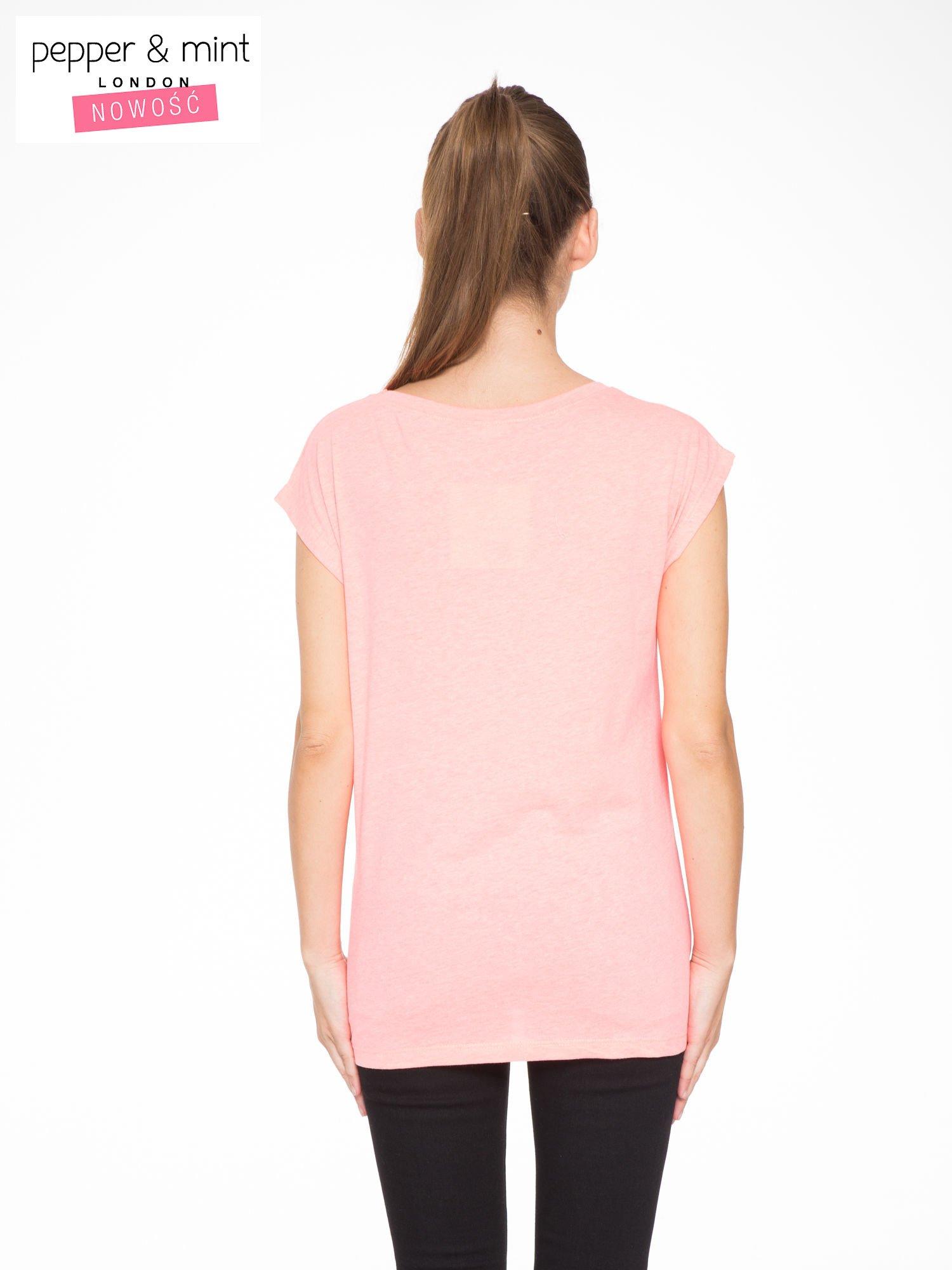 Różowy t-shirt z nadrukiem NYC zdobiony dżetami                                  zdj.                                  3