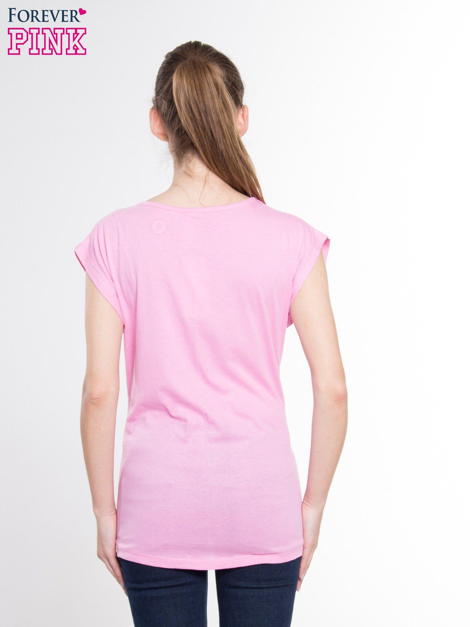 Różowy t-shirt z nadrukiem modowym i złotym napisem EXPENSIVE                                  zdj.                                  3